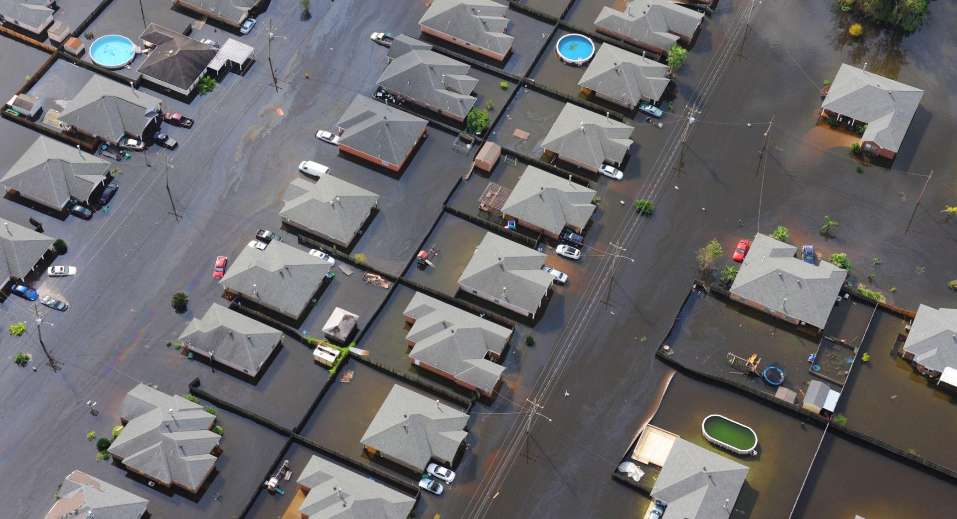 POPLAVE U AMERICI Najmanje 23 osobe izgubile život, spašavanje i dalje traje