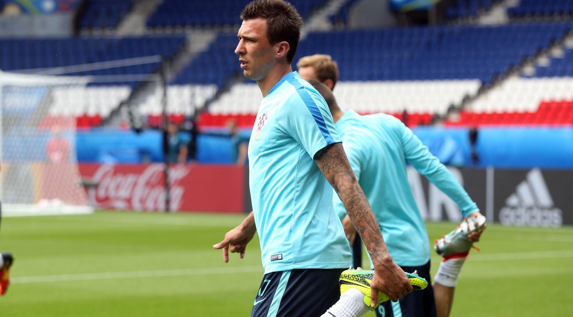 EURO 2016. Hrvatska u Parizu, derbi s Turskom od 15 sati na Parku pričeva