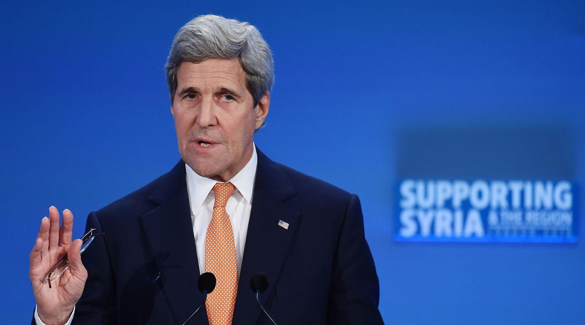 ZRAČNA KONTROLA: Kerry upozorava Kinu da ne militarizira Južno kinesko more
