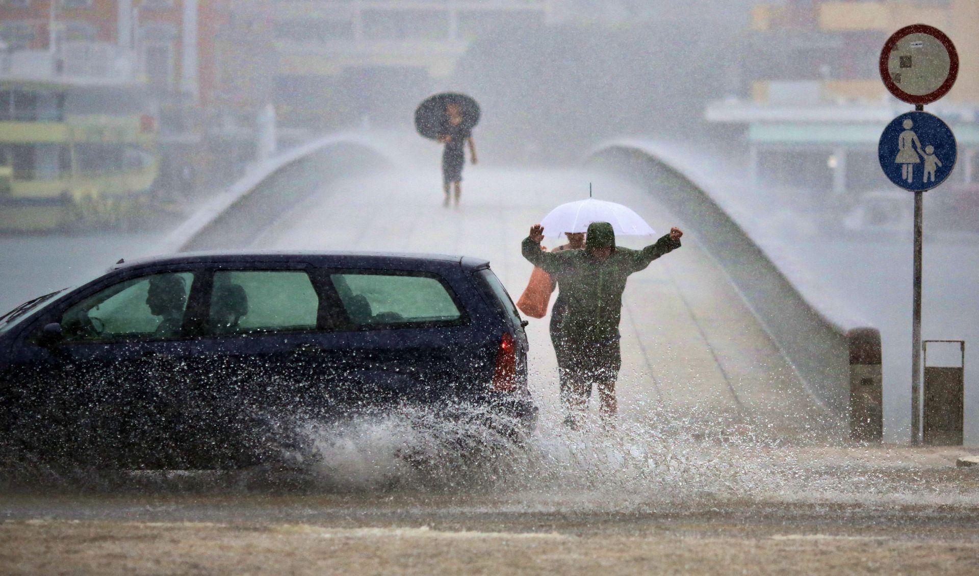 VRIJEME: Poslijepodne prestanak kiše i razvedravanje