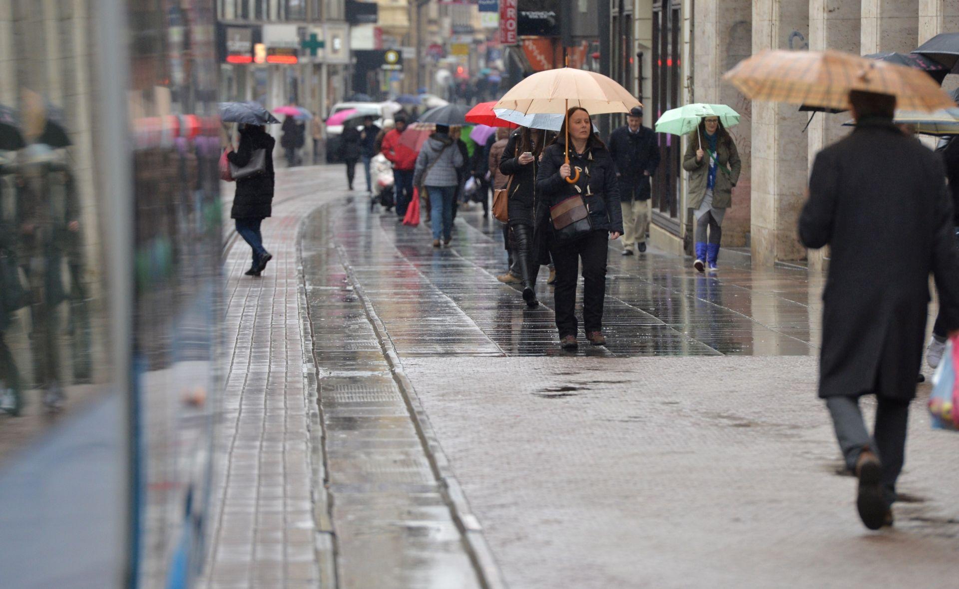 DHMZ 'Promjenjivo vrijeme, mjestimice s kišom, pljuskovima i grmljavinom'