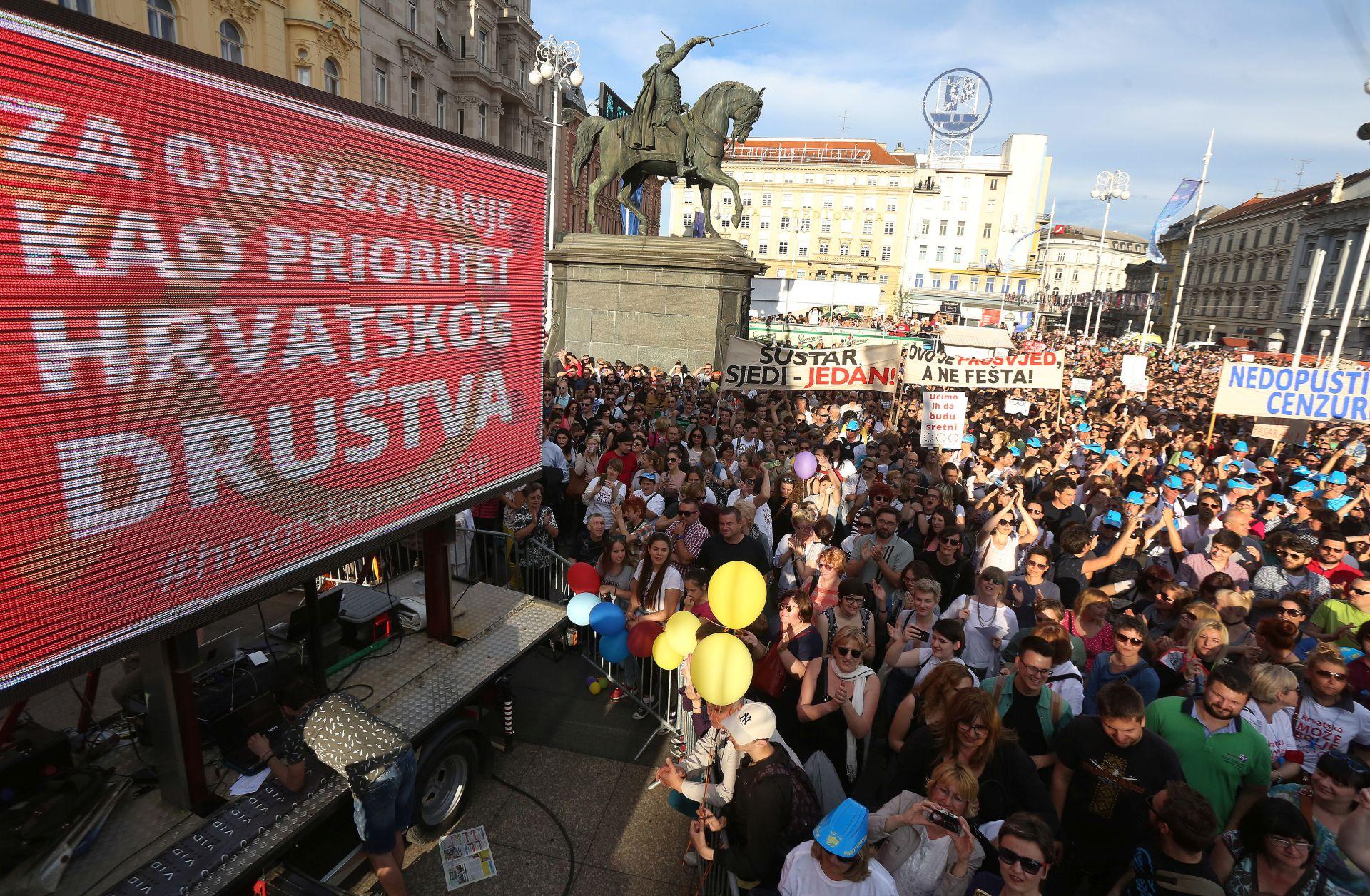 PODRŠKA KURIKULARNOJ REFORMI: Prosvjedi održani u 12 hrvatskih gradova