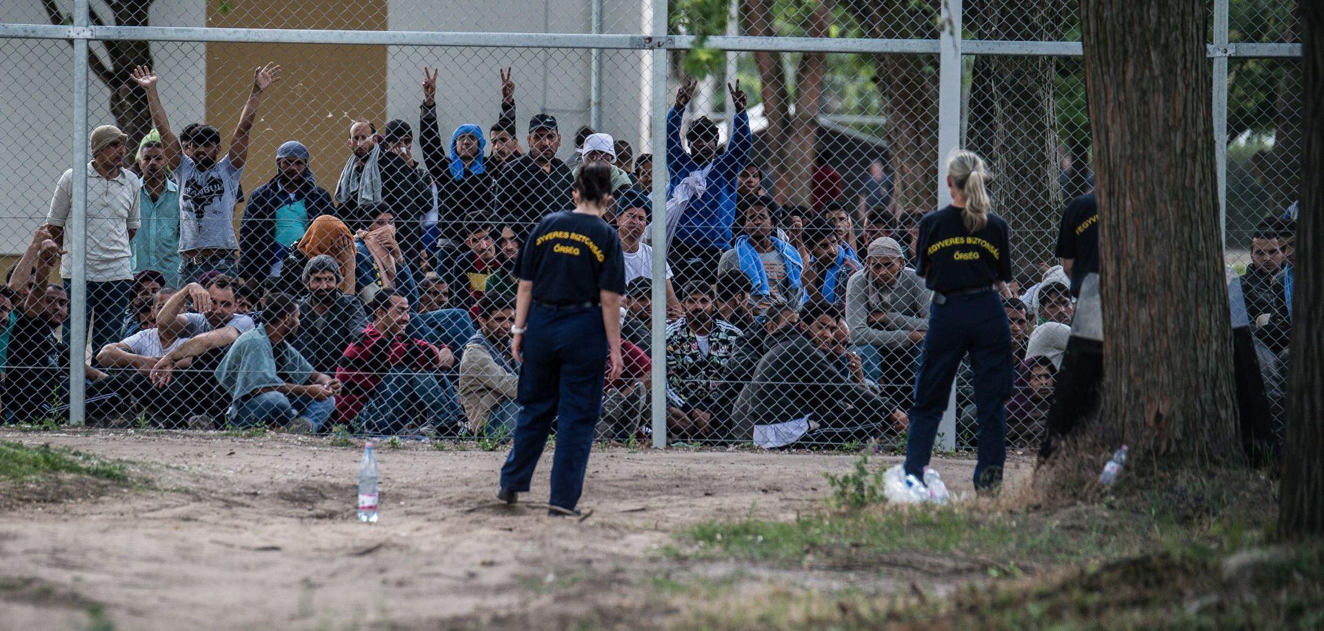 NOVI ZAKON: Mađarska policija vraća migrante preko granice