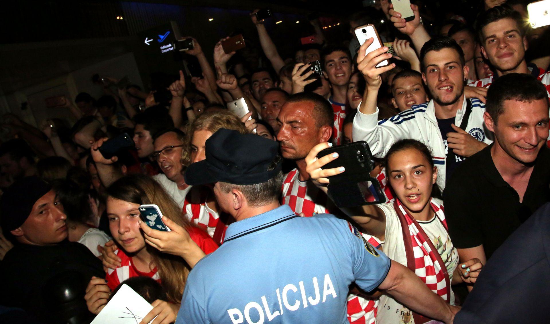 FOTO POVRATAK 'VATRENIH' Čačić: Hrvatska može biti ponosna na ono što je pokazala
