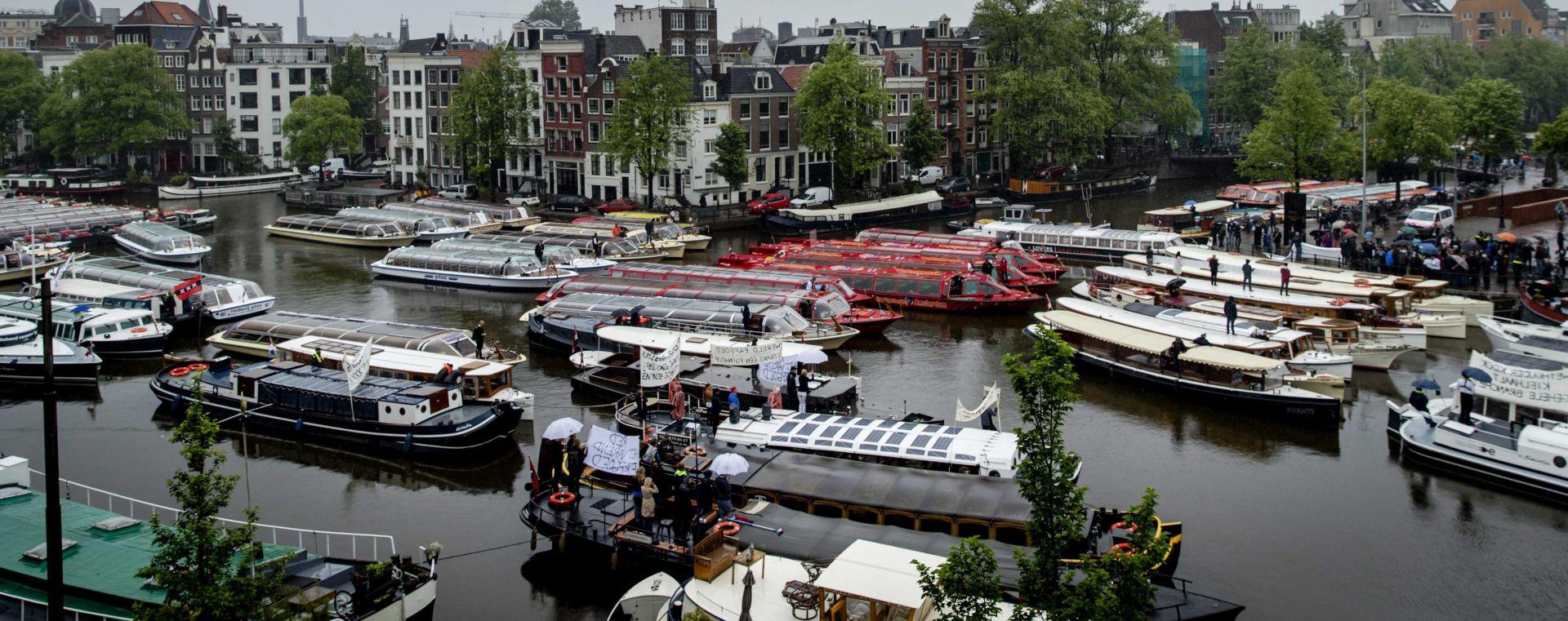 Petero ljudi ozlijeđeno pred glavnom željezničkom postajom u Amsterdamu