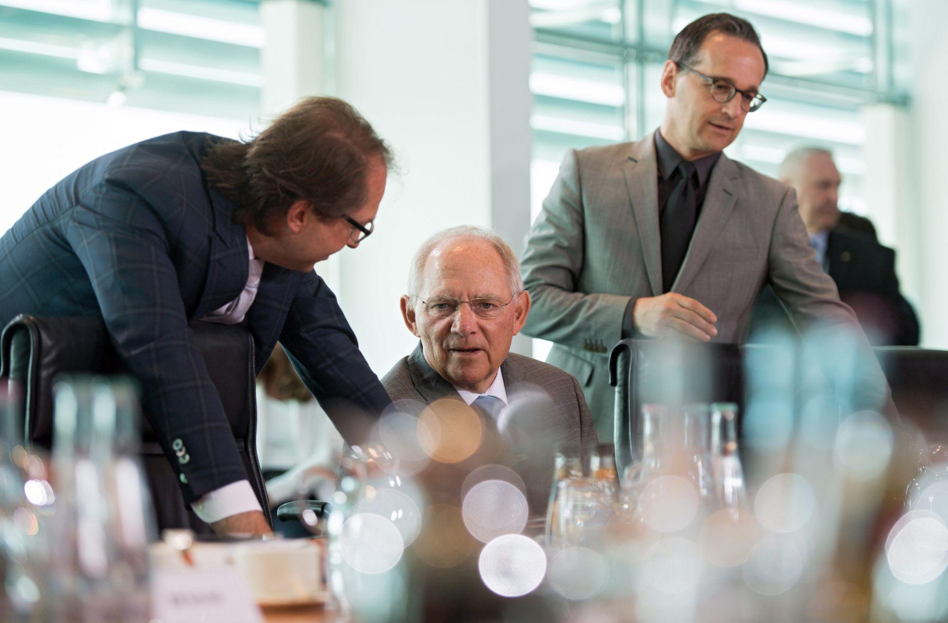 PRIJETNJE SMRĆU: U poštanskom sandučiću njemačkog ministra pronađene čahure od metaka