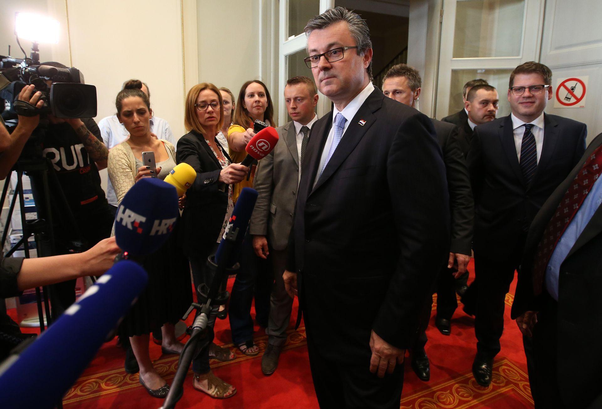 NAKON OPOZIVA Orešković: 'Kad sam ušao u ovu situaciju, došao sam da pomognem svojoj domovini'