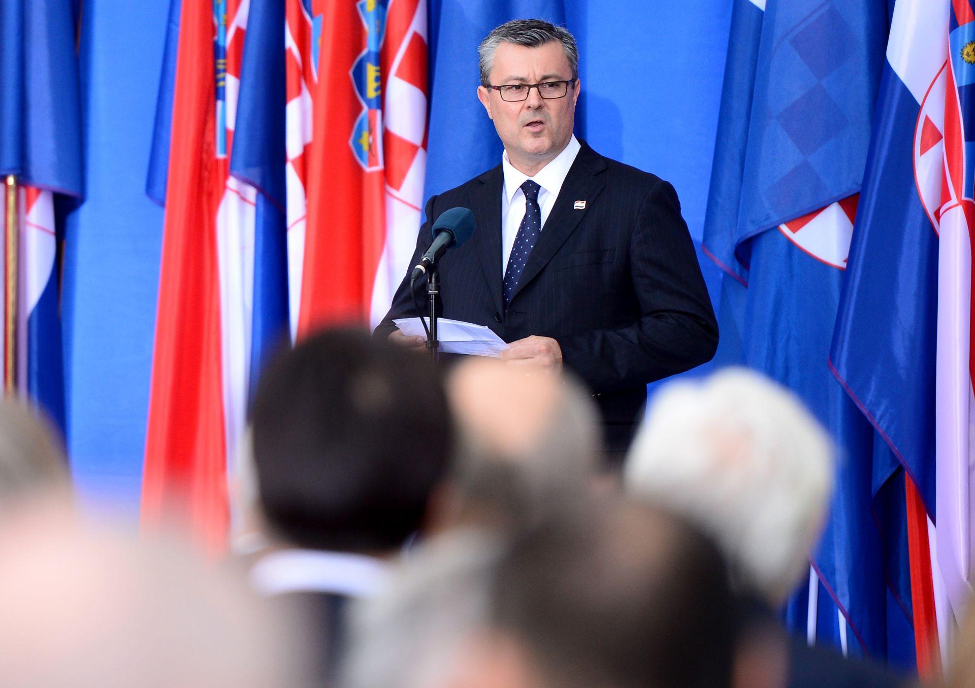 PREMIJER OREŠKOVIĆ: Čestitka povodom Dana pobjede i domovinske zahvalnosti