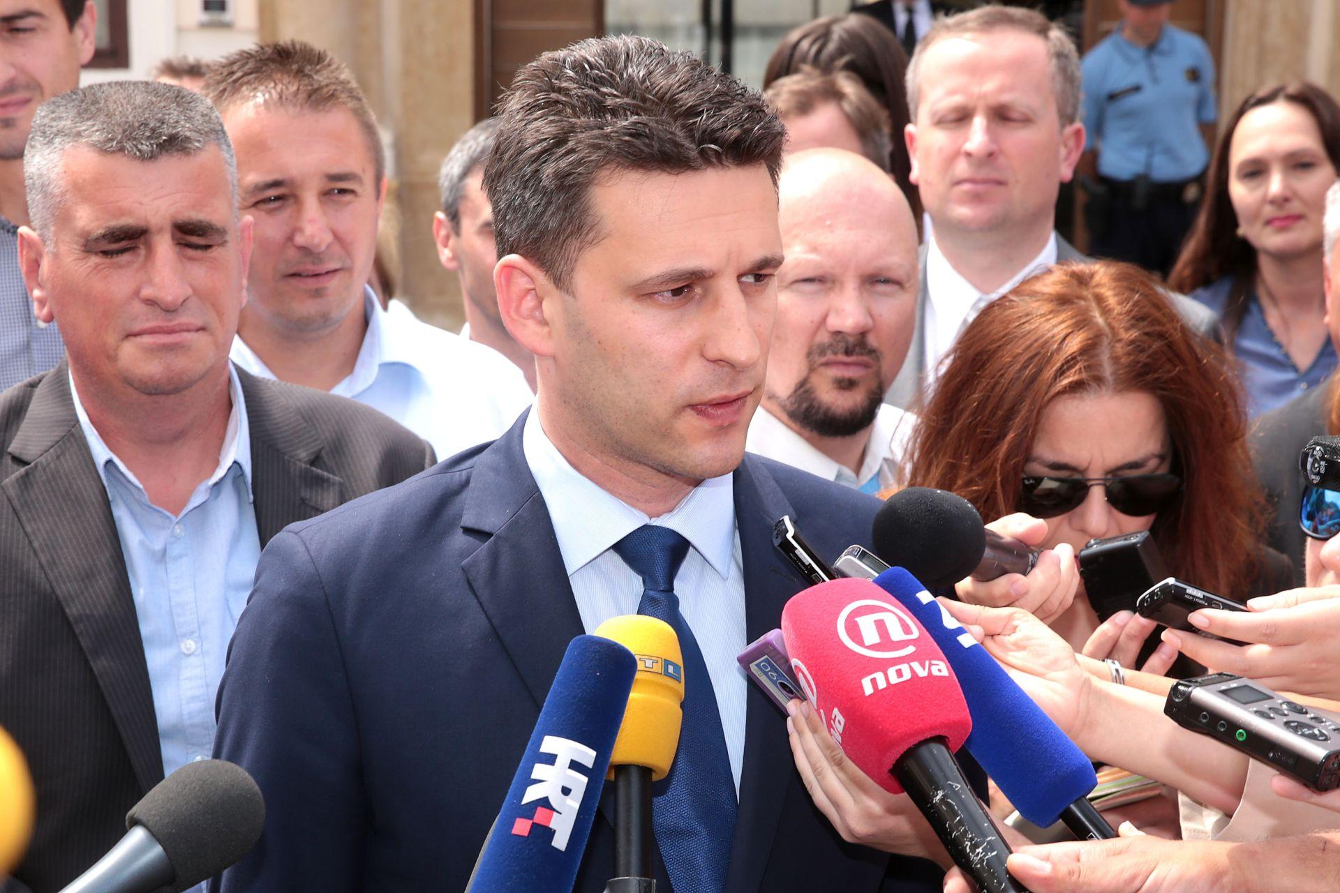 BOŽO PETROV 'Velika koalicija bila bi dan žalosti za Hrvatsku'
