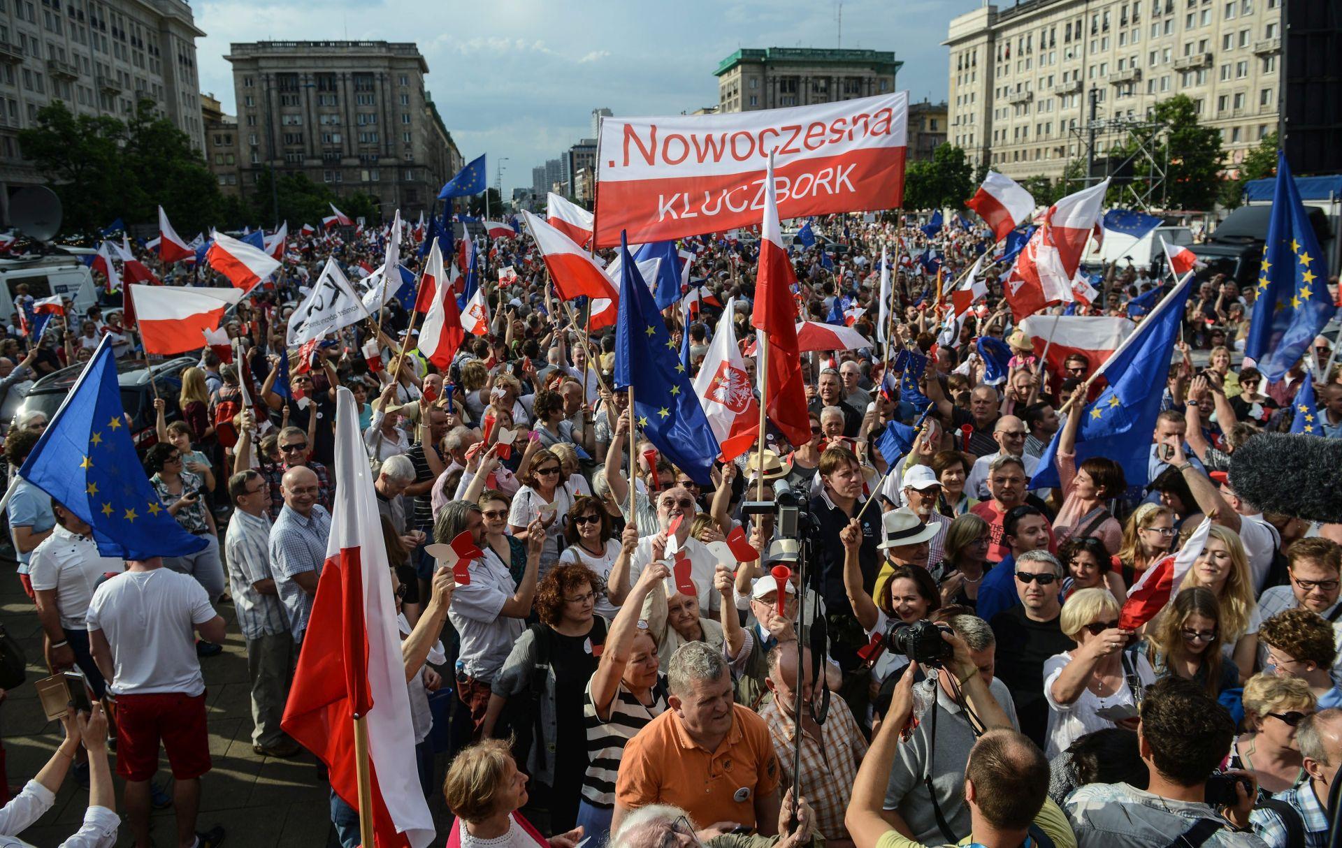 PROSVJEDI PROTIV VLADE: Poljaci obilježili Dan slobode