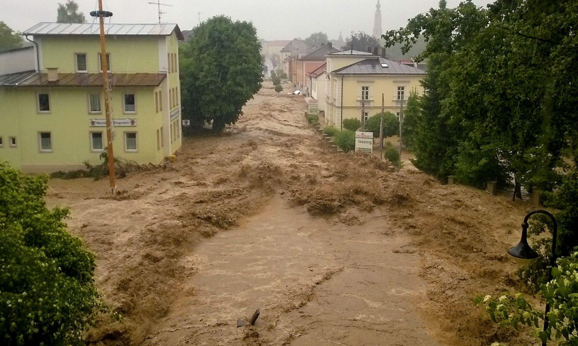 PORAST RAZINE RIJEKA: Poplave u Njemačkoj, Austriji i Francuskoj