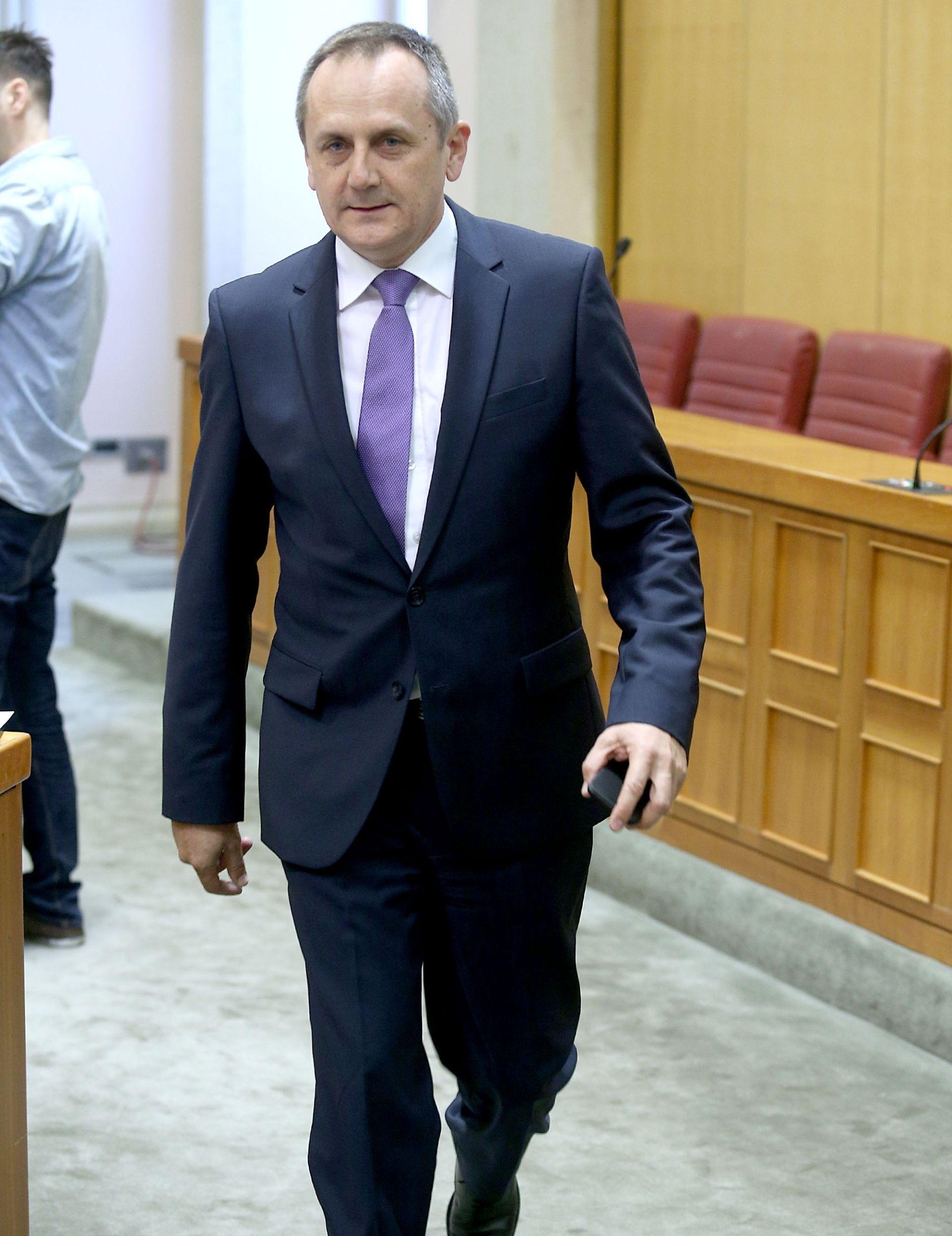 Hrid: Nepovjerenje Oreškoviću i Karamarku