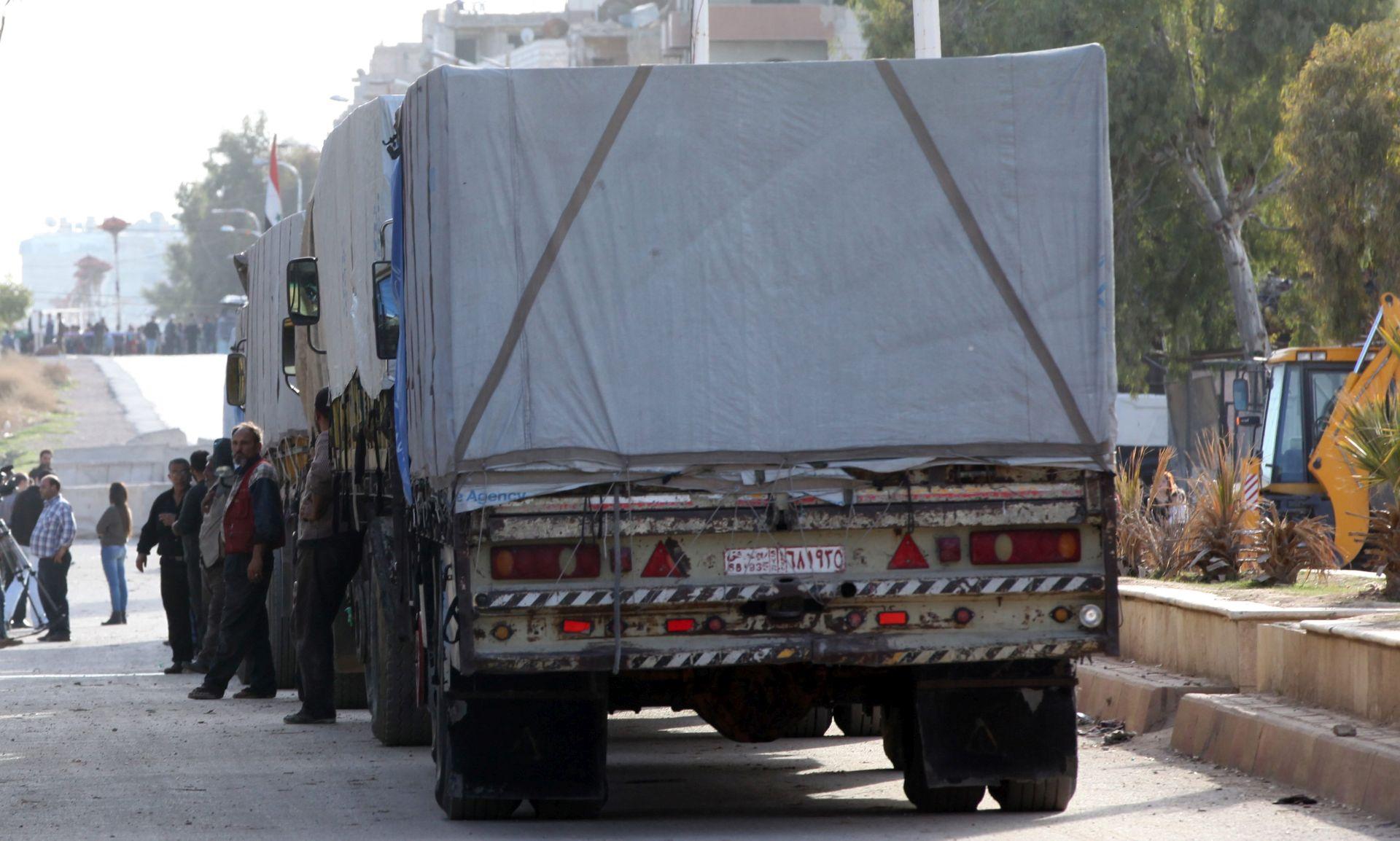 Sirija: Prvi humanitarni konvoj u Darayji od 2012.