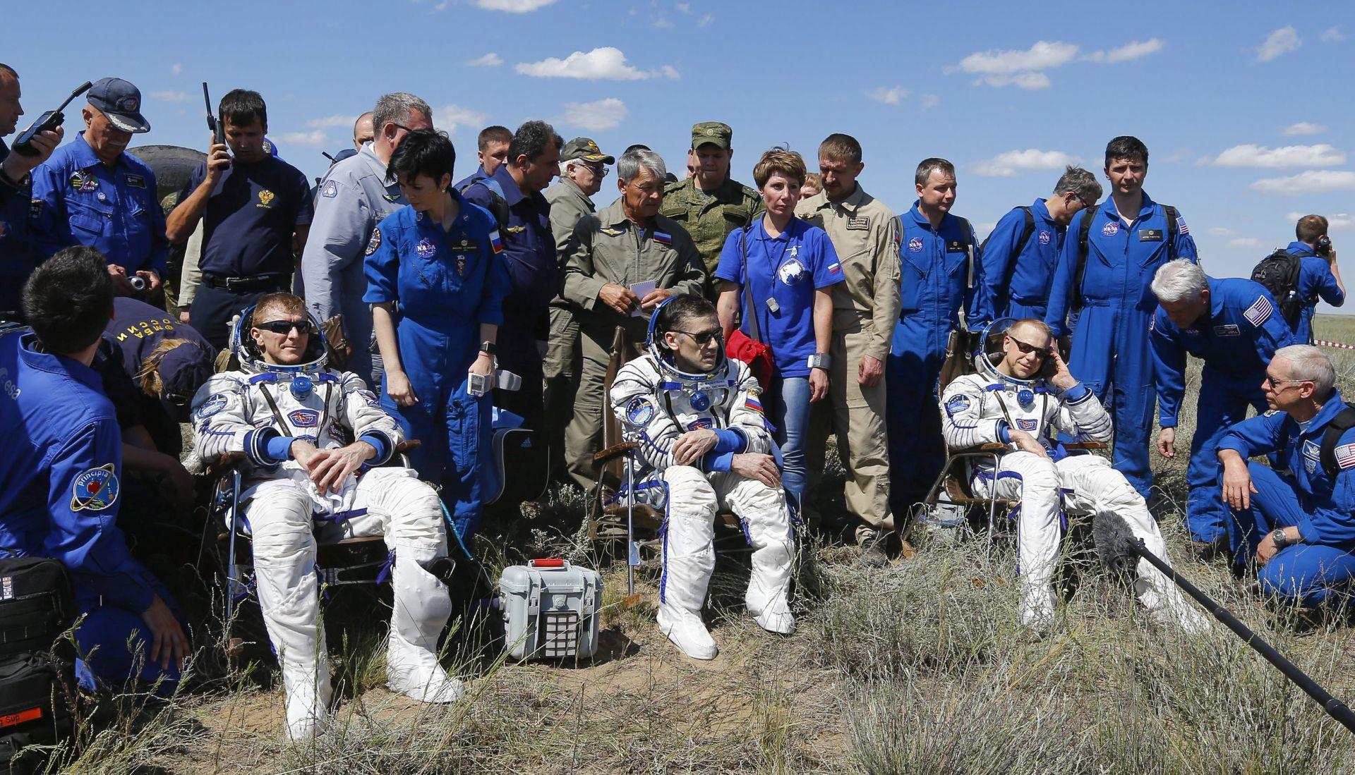 POVRATAK S EKSPEDICIJE: Sojuz s trojicom astronauta sletio u Kazahstan