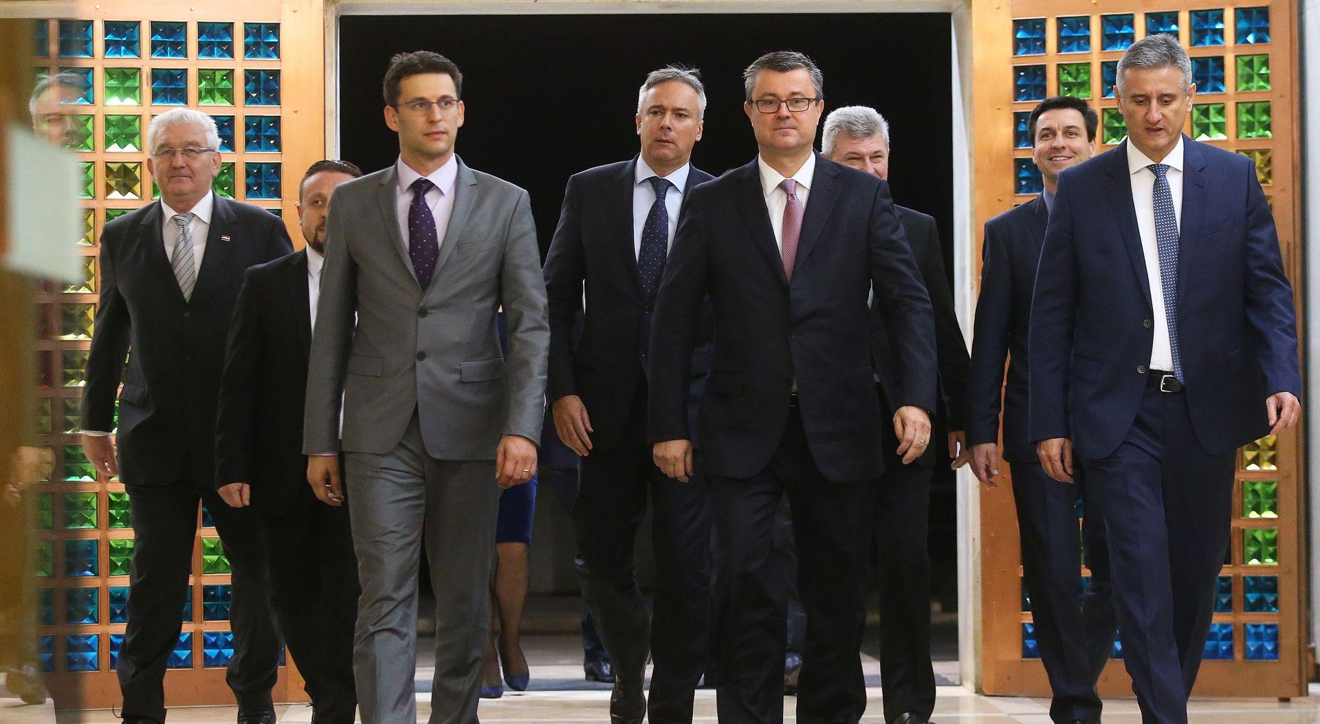 PAD VLADE Orešković: Najbolje rješenje su novi parlamentarni izbori