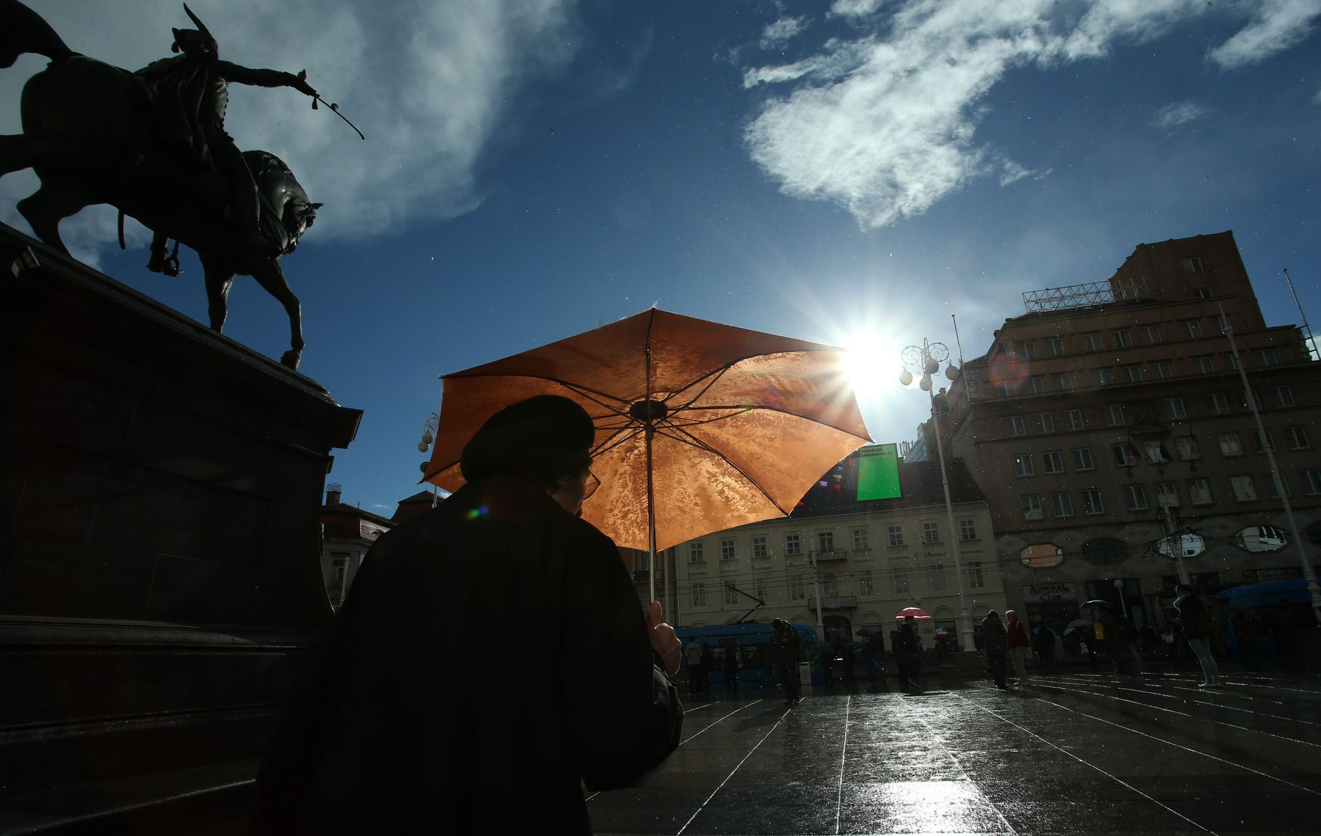 VRIJEME: Prijepodne moguća kiša i lokalni pljuskovi, poslijepodne postupno razvedravanje