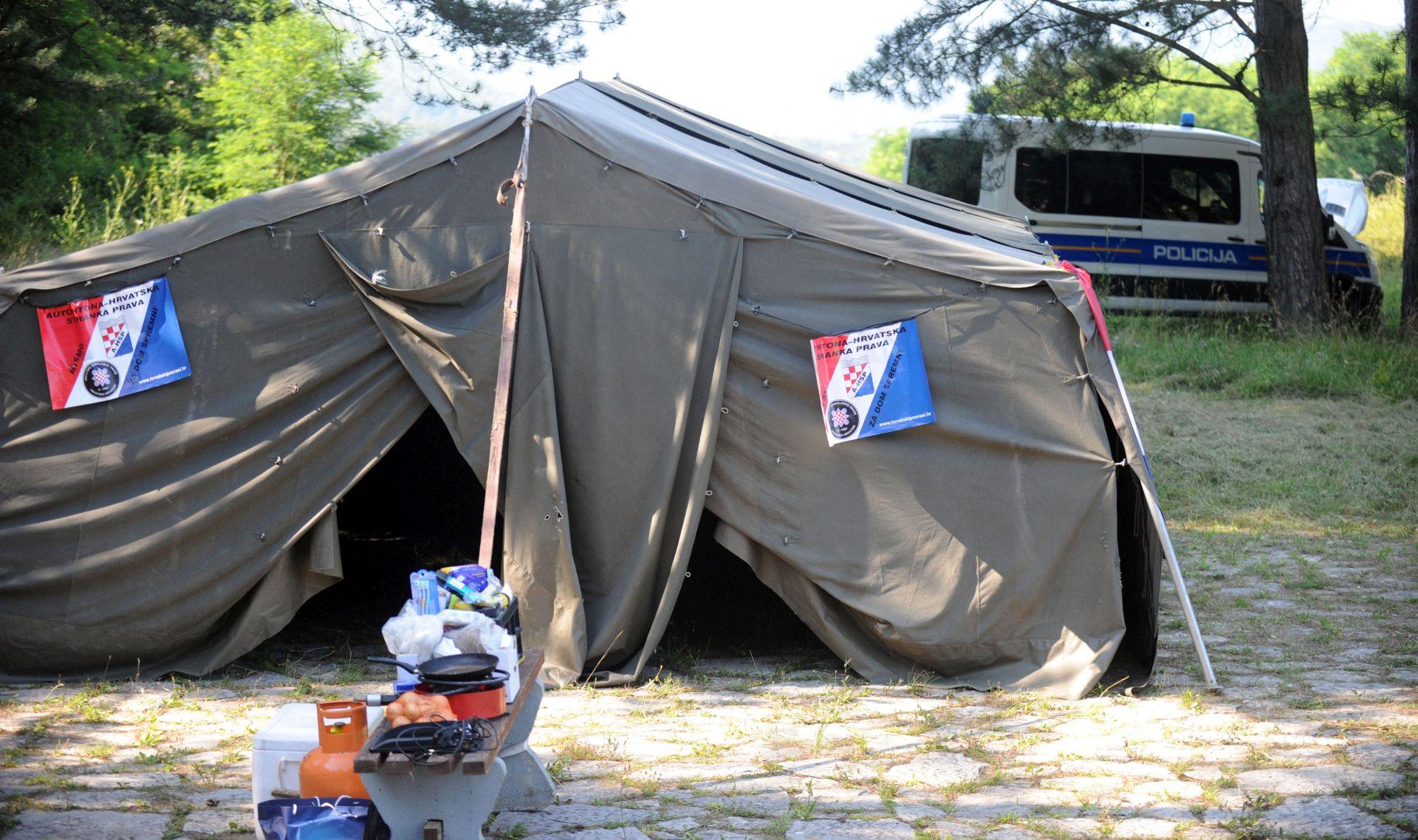 INTERVENIRALA POLICIJA: Uhićen Zoran Erceg, veteran i protivnik šatoraša u Srbu