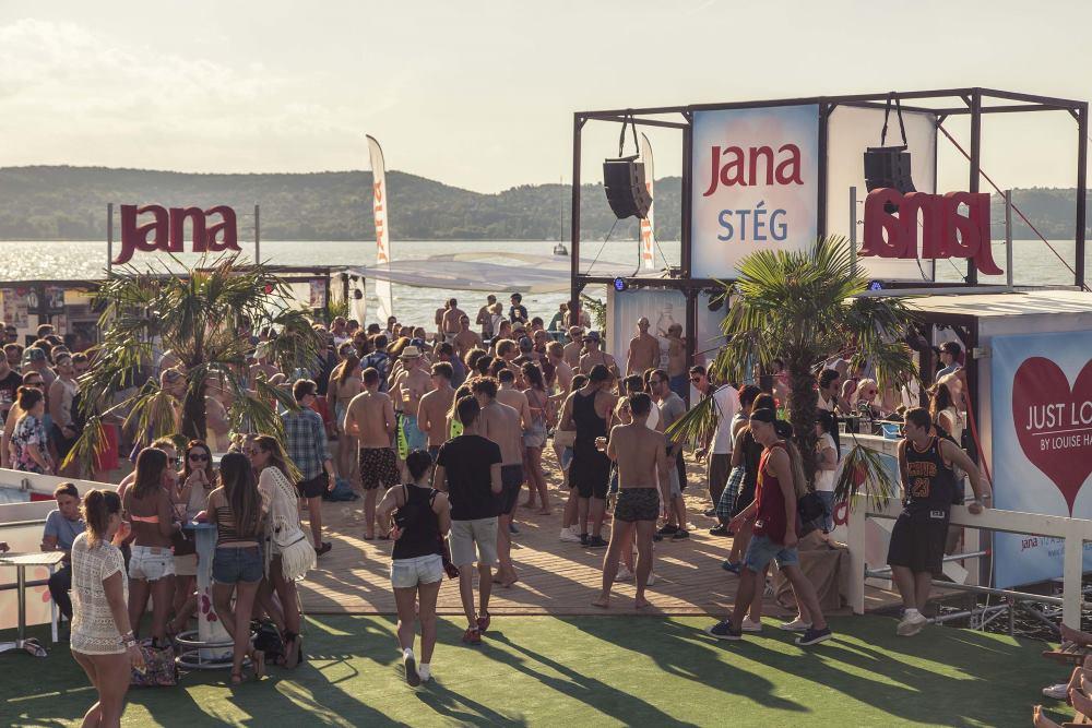 Jana stage