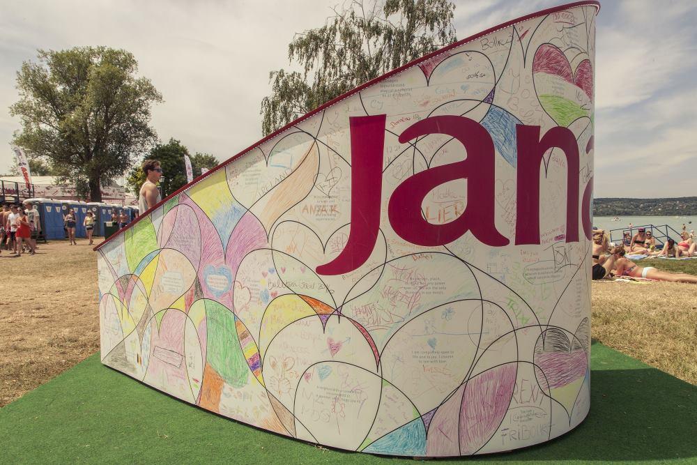 Jana stage - Just Love