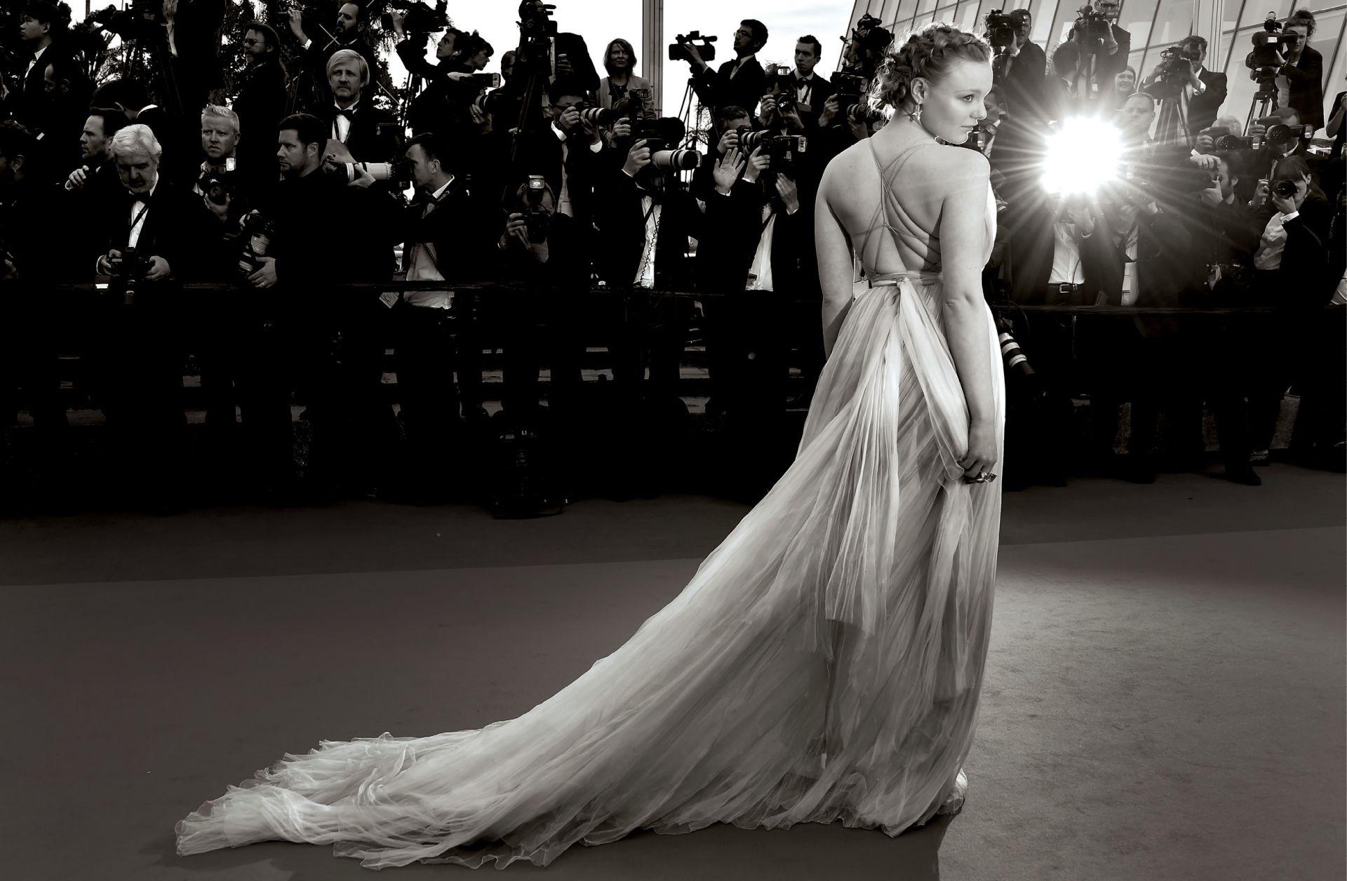 INTERVIEW: MARIA-VICTORIA DRAGUS 'Ne želim biti jedna od milijun glumica koje će patiti u Hollywoodu'