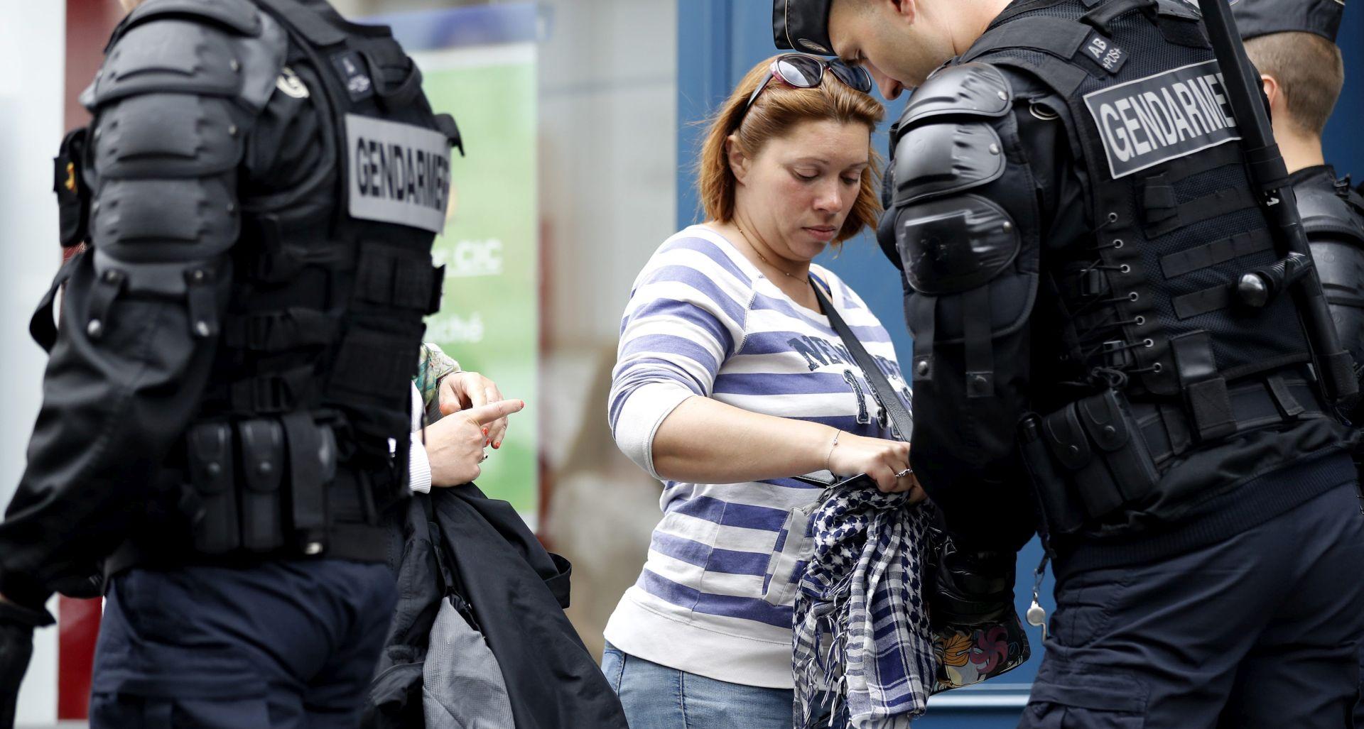 SAMO NEKOLIKO SATI PRIJE UTAKMICE Panika u Parizu, policija izvela kontroliranu eksploziju