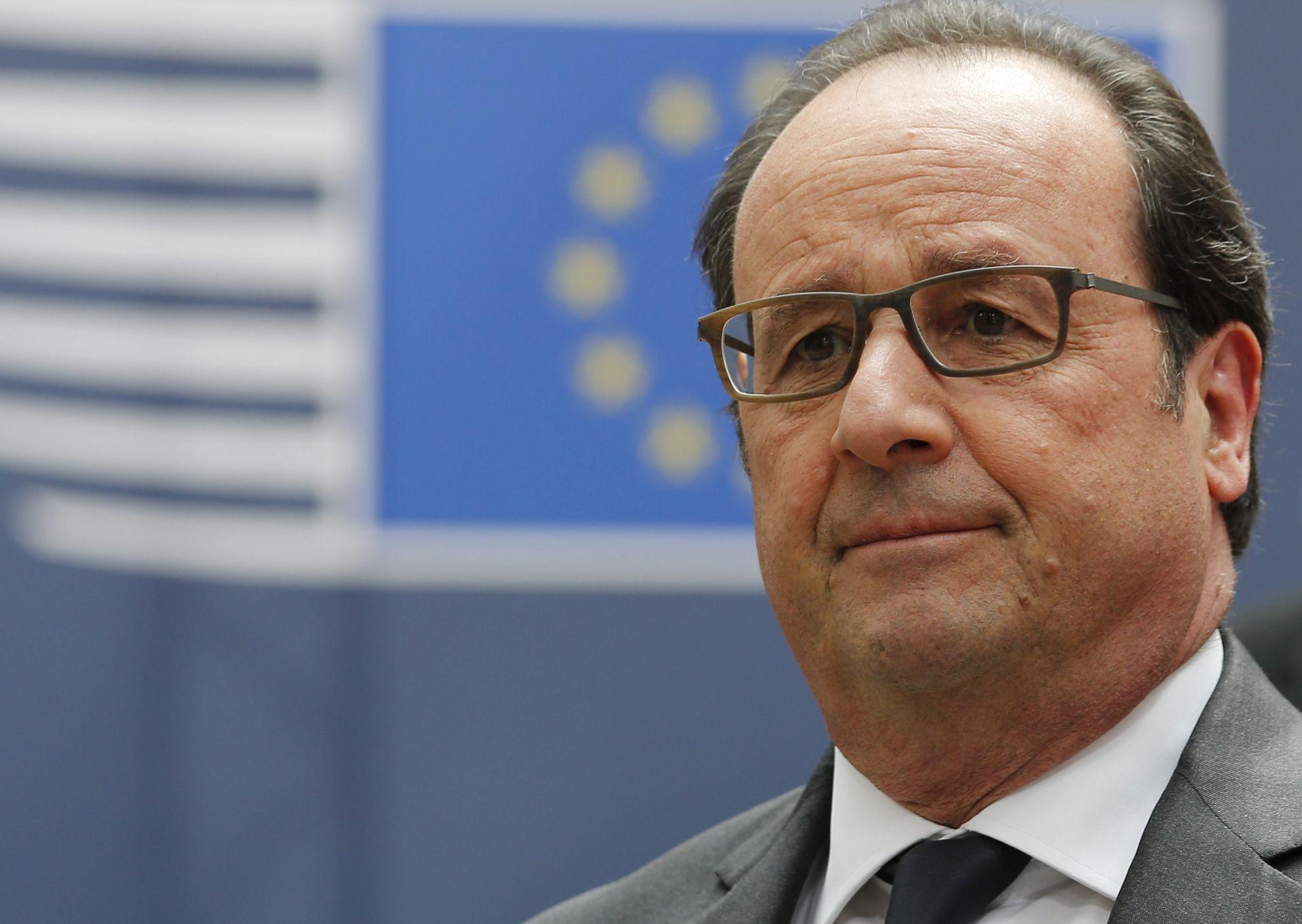 """HOLLANDE IPAK PRODULJUJE IZVANREDNO STANJE """"Francuska je jaka, Francuska će uvijek biti jaka"""""""