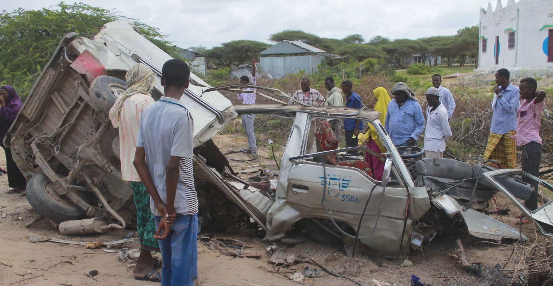 DVIJE EKSPLOZIJE U MOGADISHUU Al-Shabab napao bazu Afričke unije, najmanje sedam ubijenih