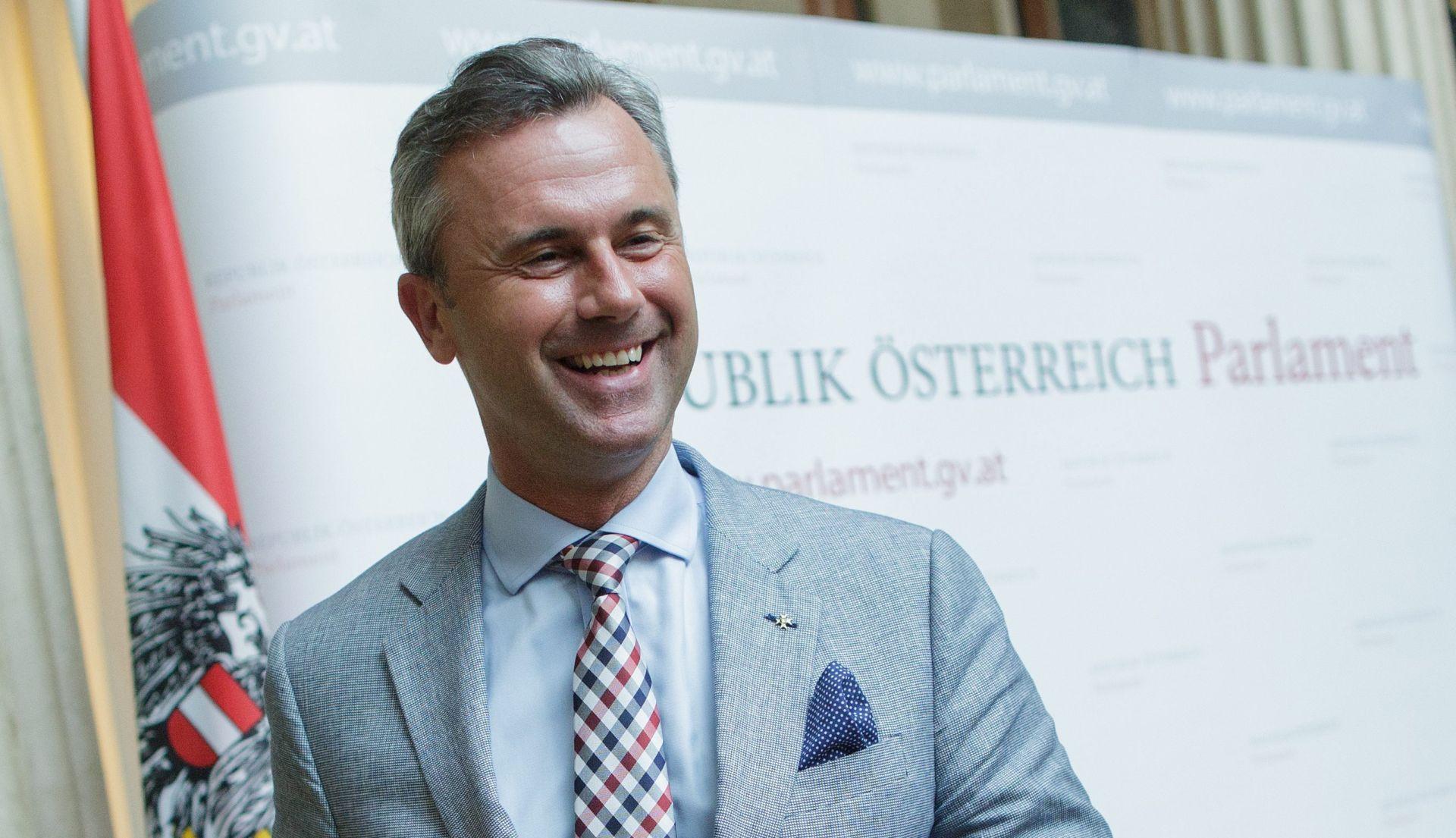 ANKETE Austrijski kandidat desnog krila Hofer vodi u predsjedničkoj utrci
