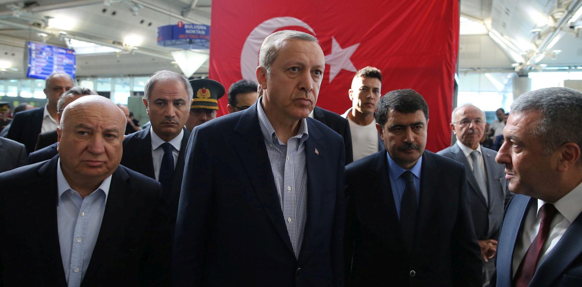 Turska zabranila intelektualcima i članovima akademije da putuju u inozemstvo
