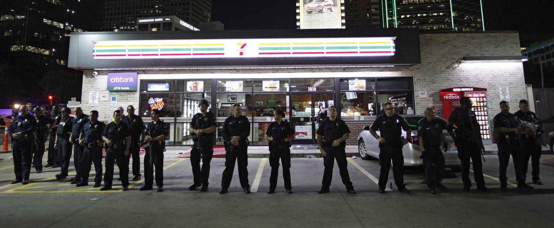 ŠEF POLICIJE DALLASA Ubijeni napadač želio poubijati bijele policajce, rekao da je djelovao sam
