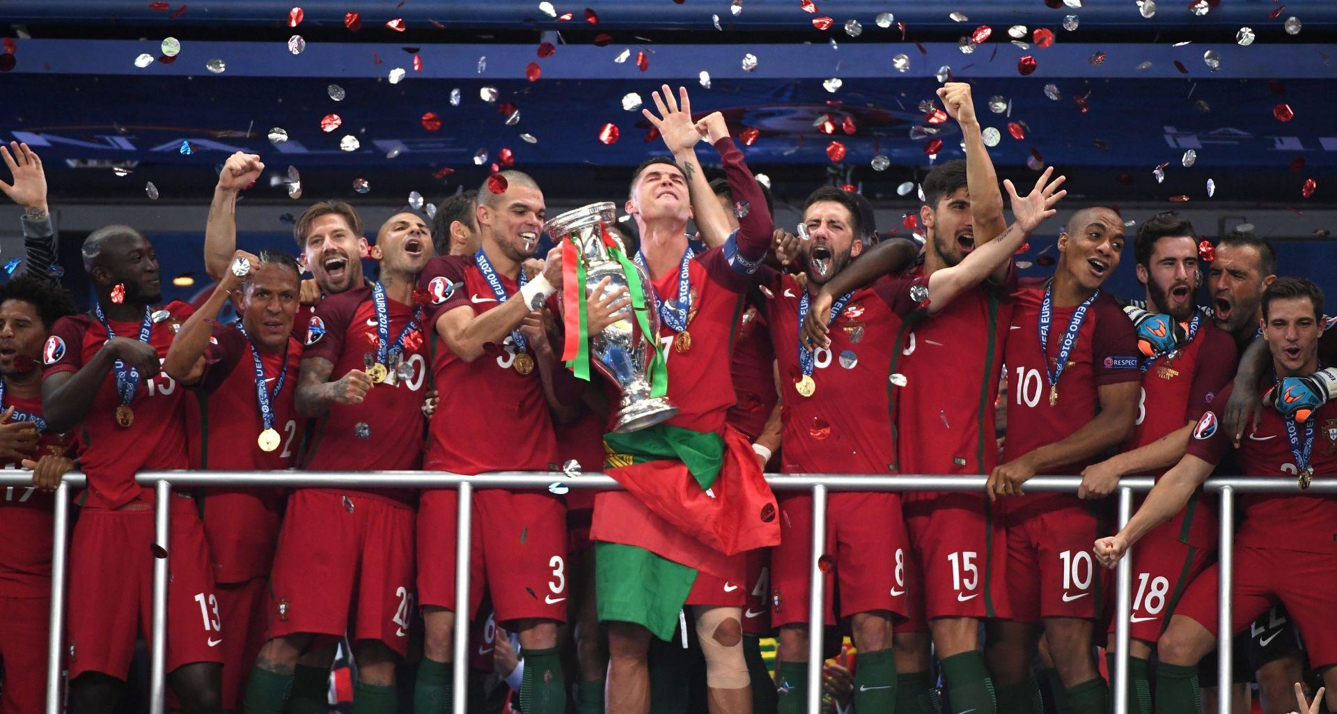 VIDEO: EDÉR 'NOKAUTIRAO' DOMAĆINE Portugal osvojio naslov europskog prvaka!