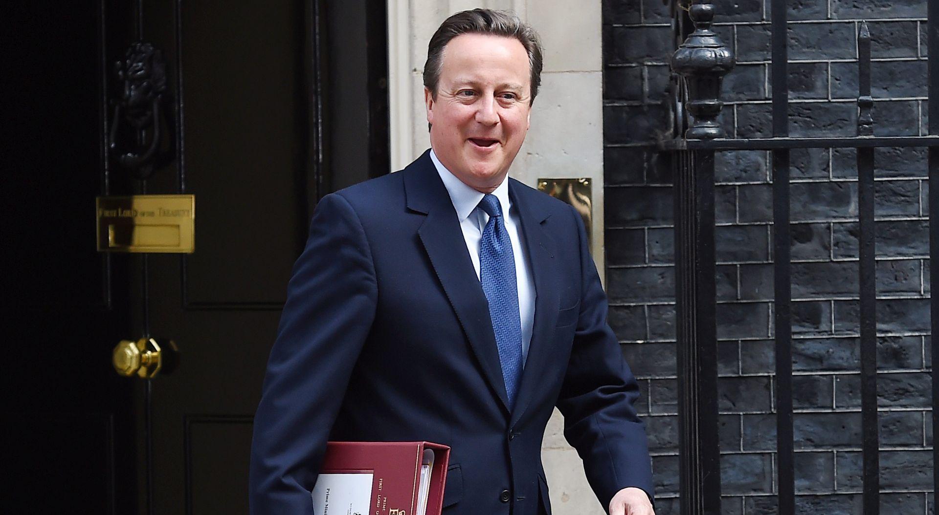 Cameron u posljednjem obraćanju parlamentu pozvao May da ostane uz EU