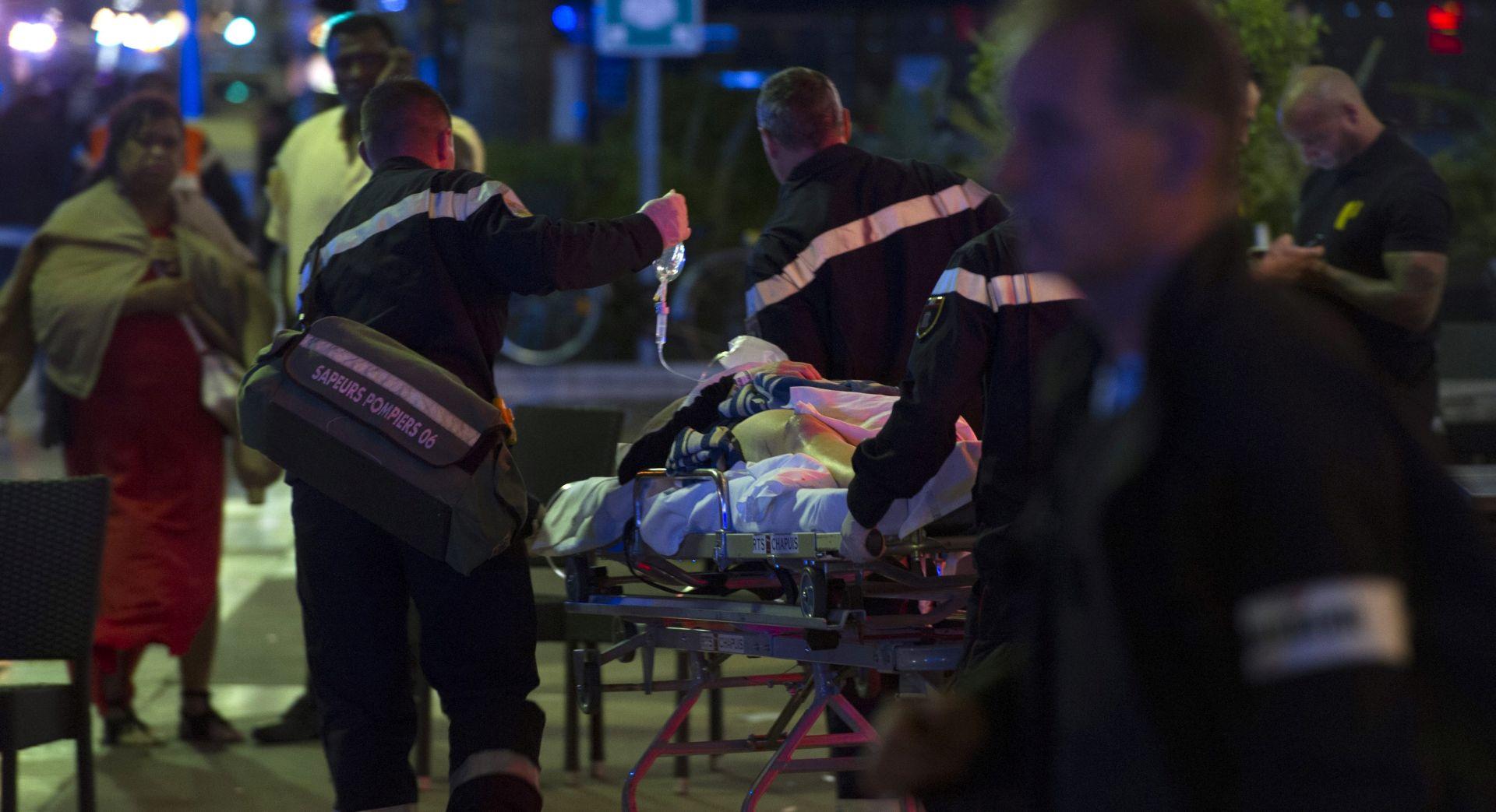 UŽIVO: NOVI TERORISTIČKI NAPAD U NICI Policija identificirala napadača, najmanje 84 mrtvih i 100 ozlijeđenih