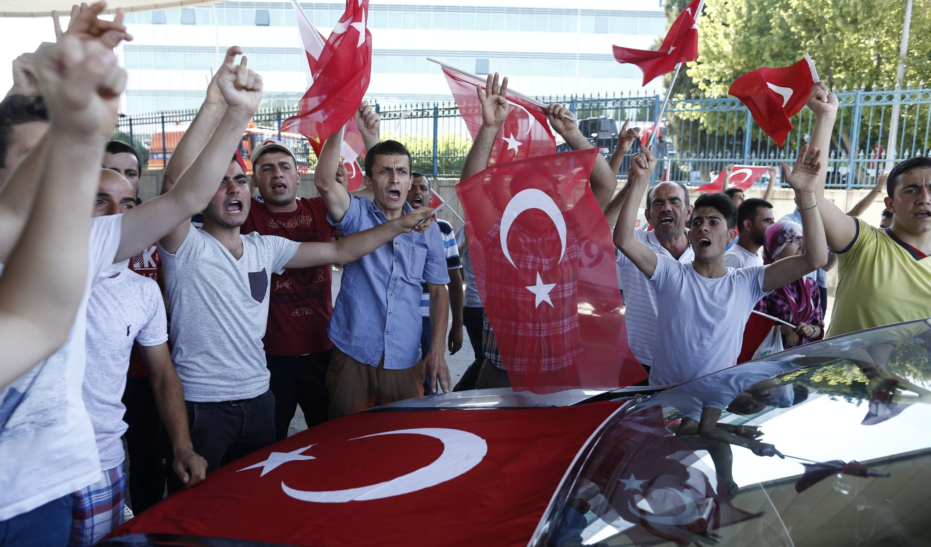 POKUŠAJ VOJNOG UDARA U TURSKOJ U subotu u Ankari slavljenička atmosfera