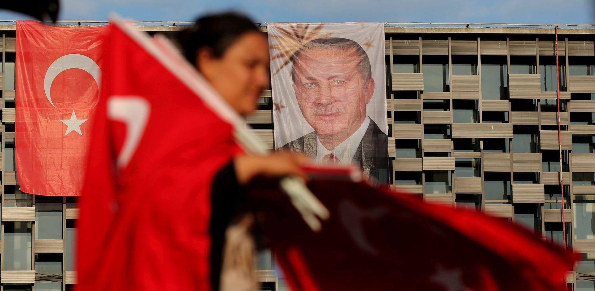 ČISTKA SE NASTAVLJA: Turska suspendirala 900 ankarskih policajaca