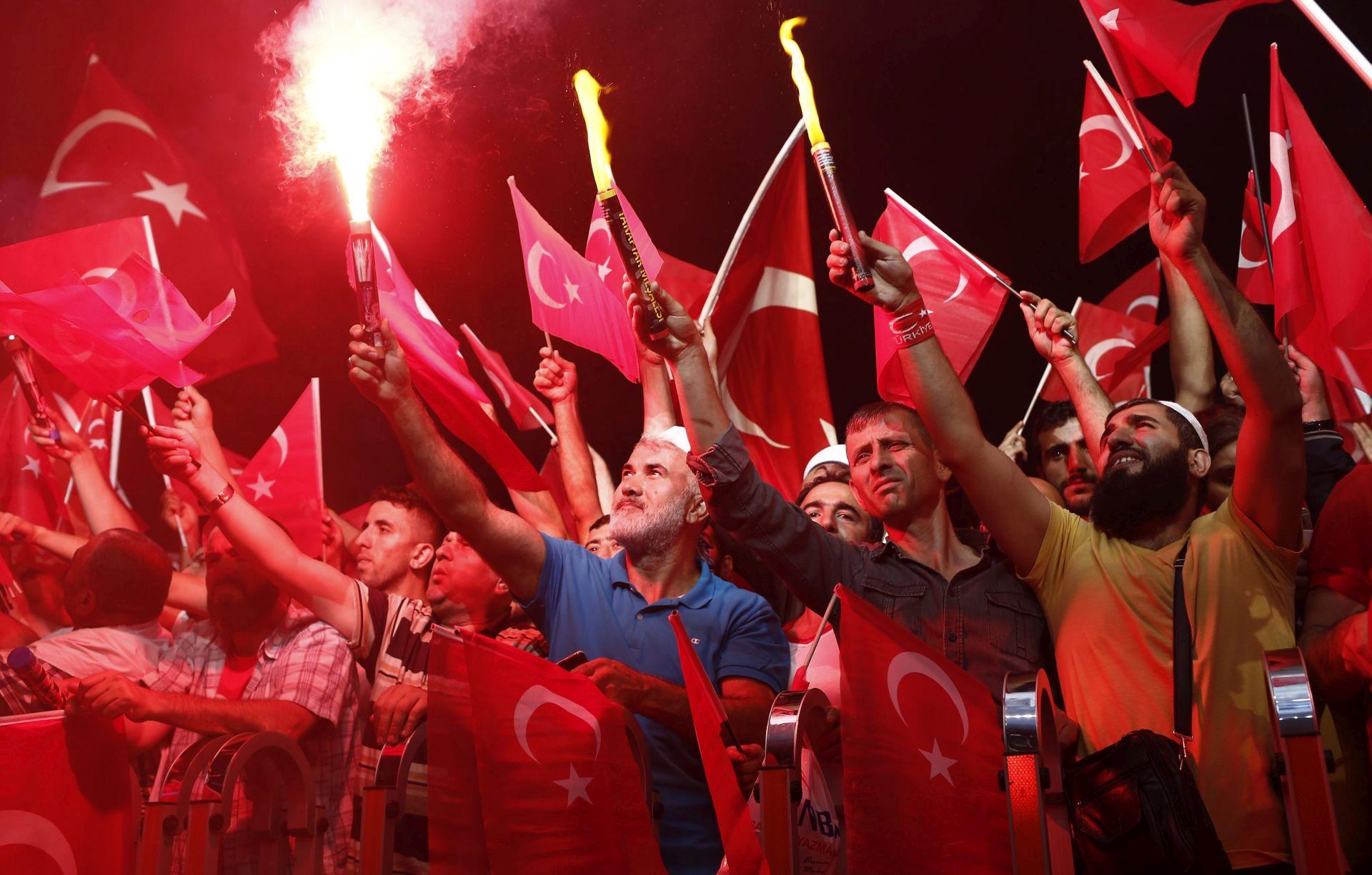 Više od 40.000 ljudi na skupu pristaša Erdogana u Koelnu