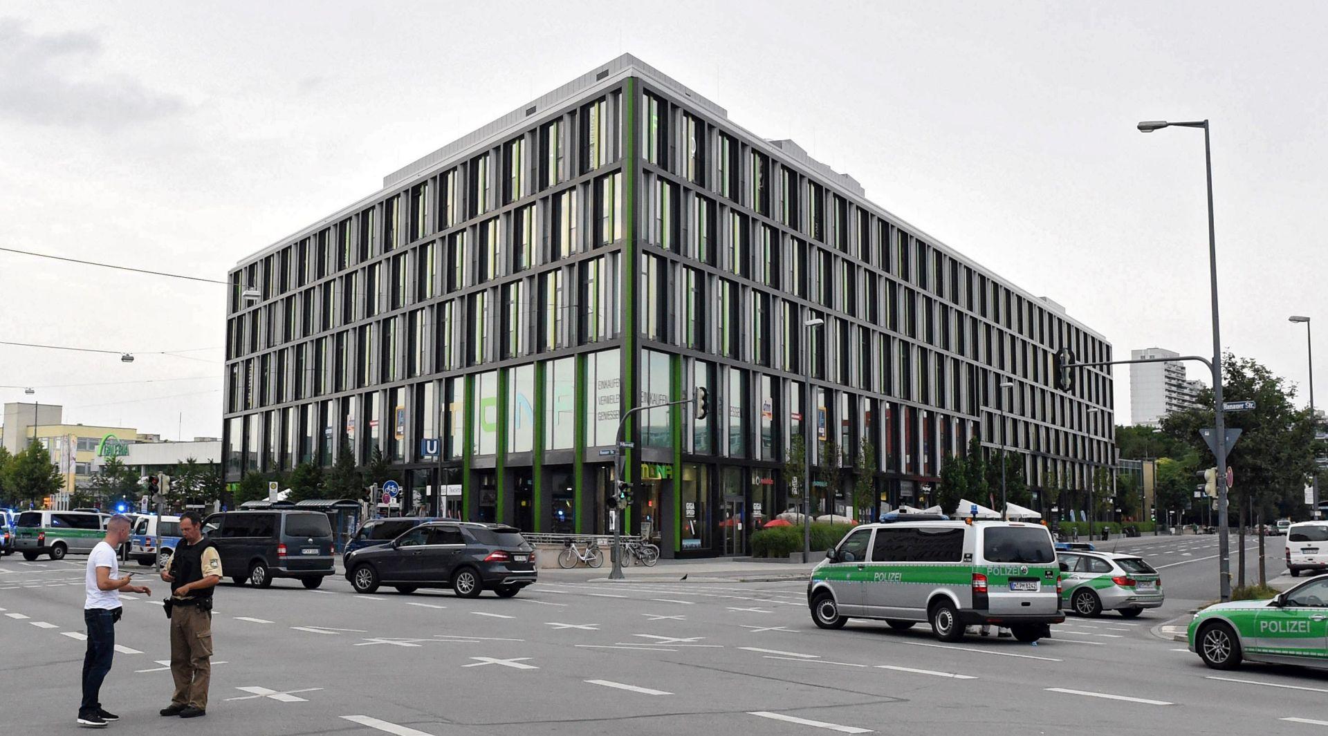 UZNEMIRUJUĆI VIDEO: Objavljene snimke napada u Münchenu