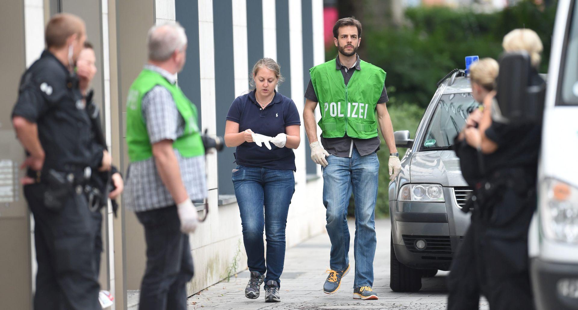 PUCNJAVA U BERLINSKOJ BOLNICI Pacijent ustrijelio liječnika i počinio samoubojstvo