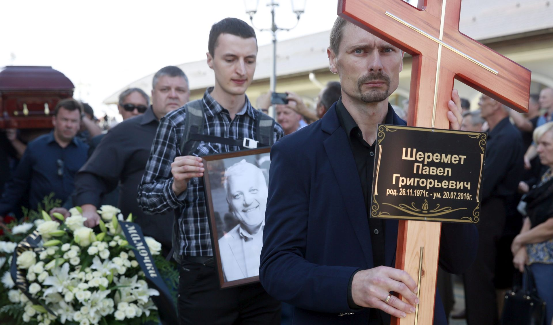 Tisuće ljudi u bjeloruskom Minsku odale počast nedavno ubijenom novinaru