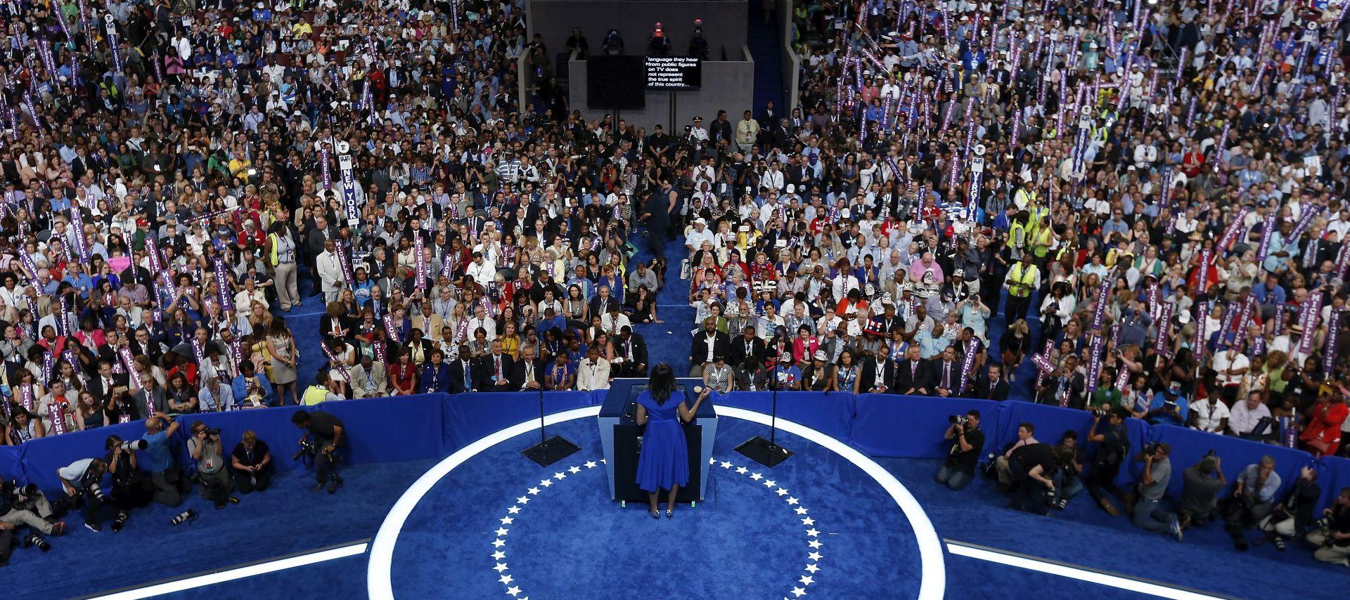 Sanders i Michelle Obama poduprli Clinton i smirili napetosti u stranci