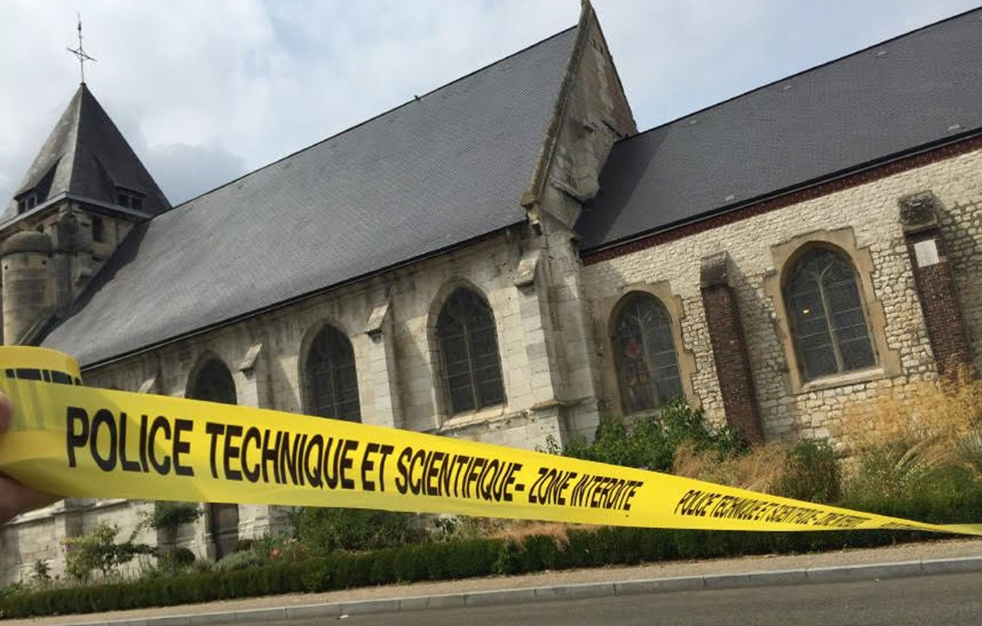 """Ubojice francuskog svećenika """"prisegnuli na vjernost IS-u"""" u videu"""
