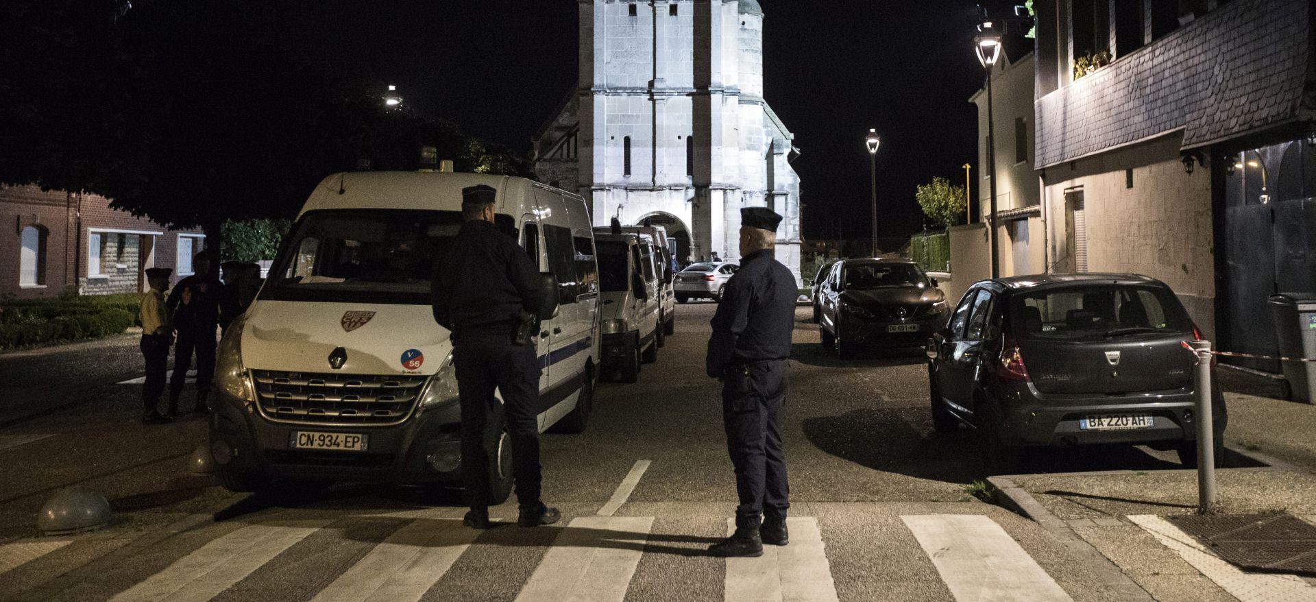Francuski mediji podijeljeni oko toga treba li objavljivati imena i fotografije terorista