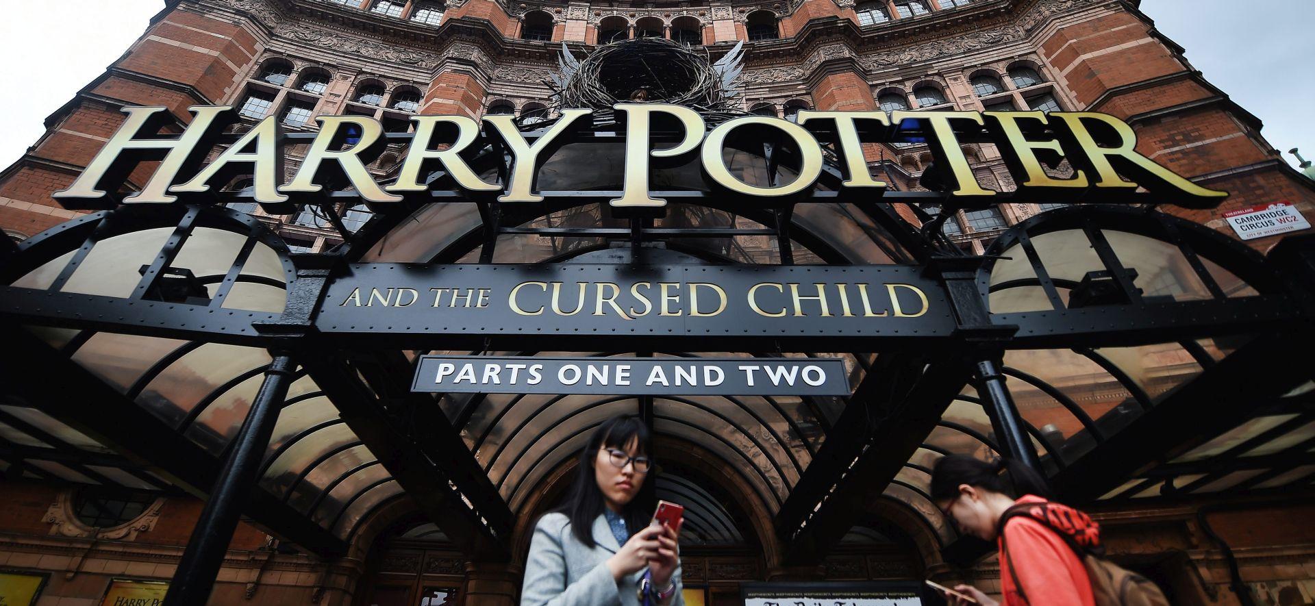 """J.K. Rowling na predstavi """"Ukleto dijete"""" rekla zbogom Harryju Potteru"""