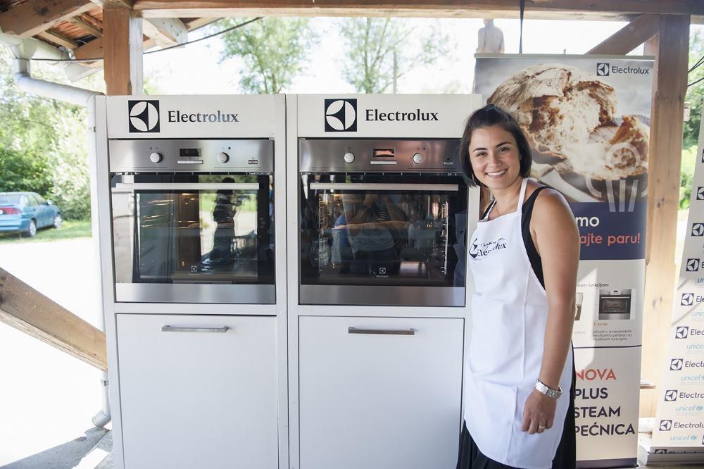 Mirna Medaković pazi na kruh u