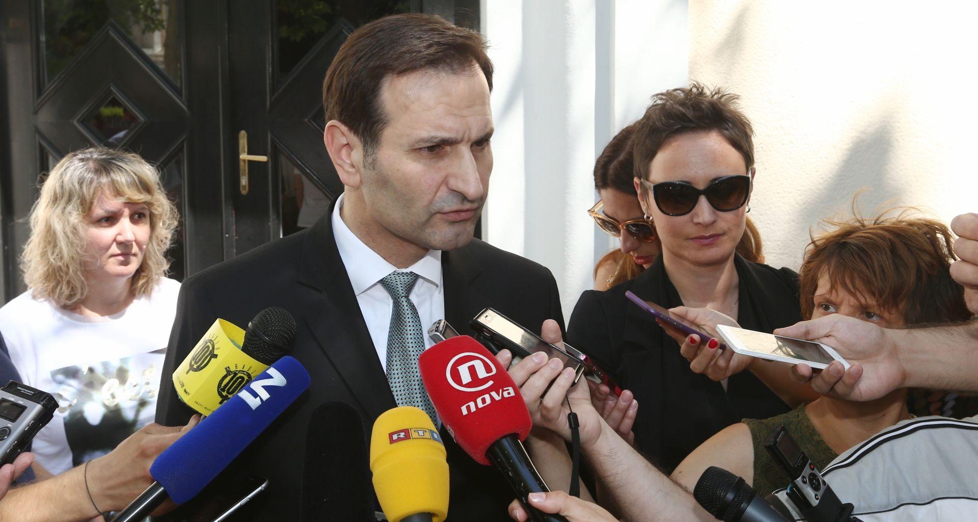 """MIRO KOVAČ """"Ako Srbija uhiti hrvatske ratne optuženike, nikada neće ući u EU"""""""