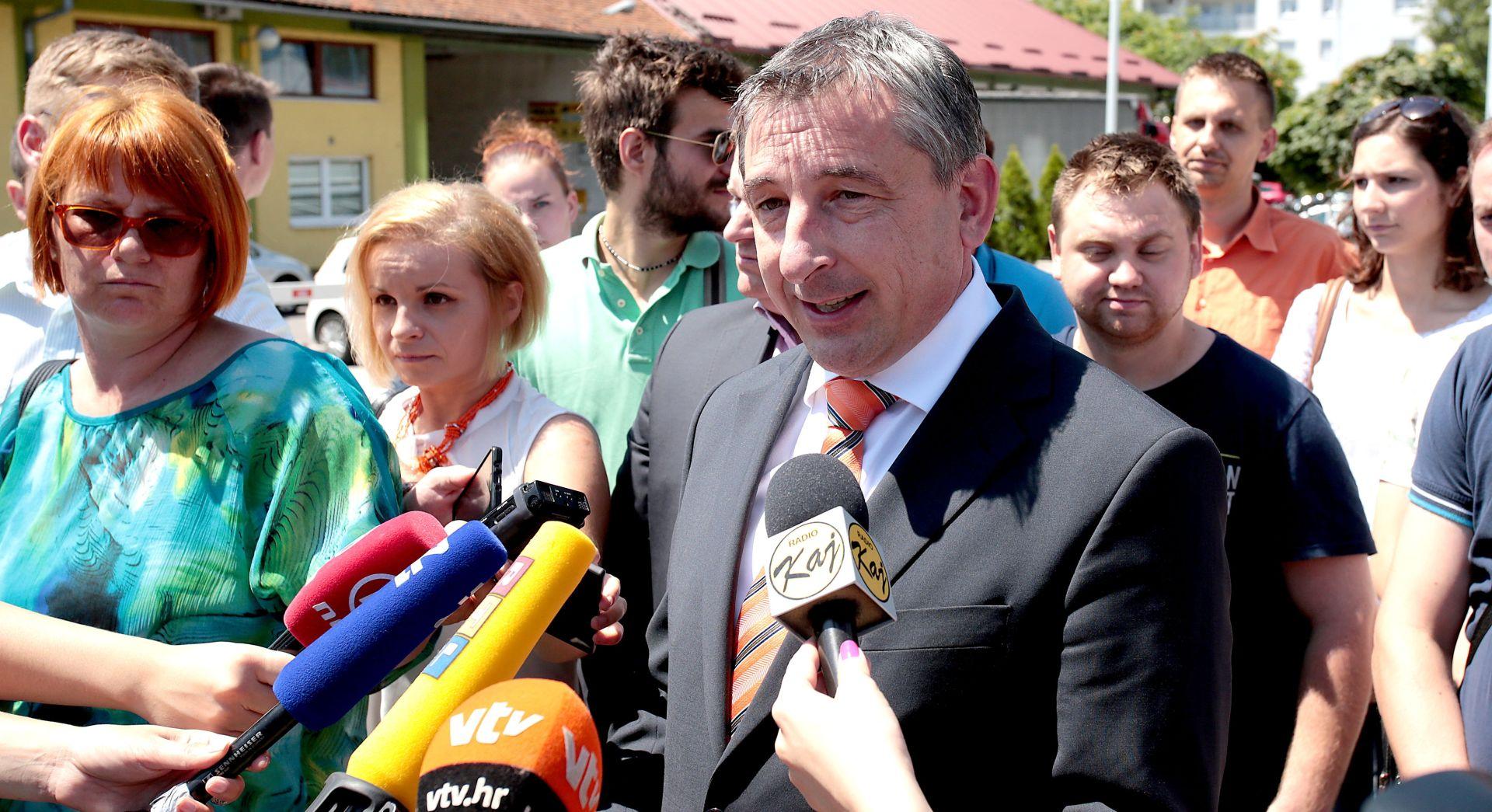 SUFINANCIRANJE PRIJEVOZA SREDNJOŠKOLACA Štromar : Zvao sam ministra Šustara 167 puta