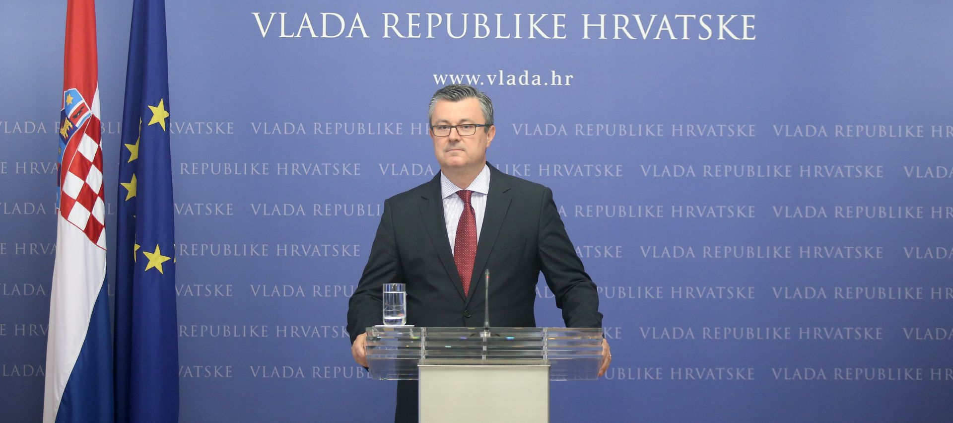 "OREŠKOVIĆ IZRAZIO SUĆUT HOLLANDEU ""Hrvatska je uz Francusku u borbi protiv terorizma"""