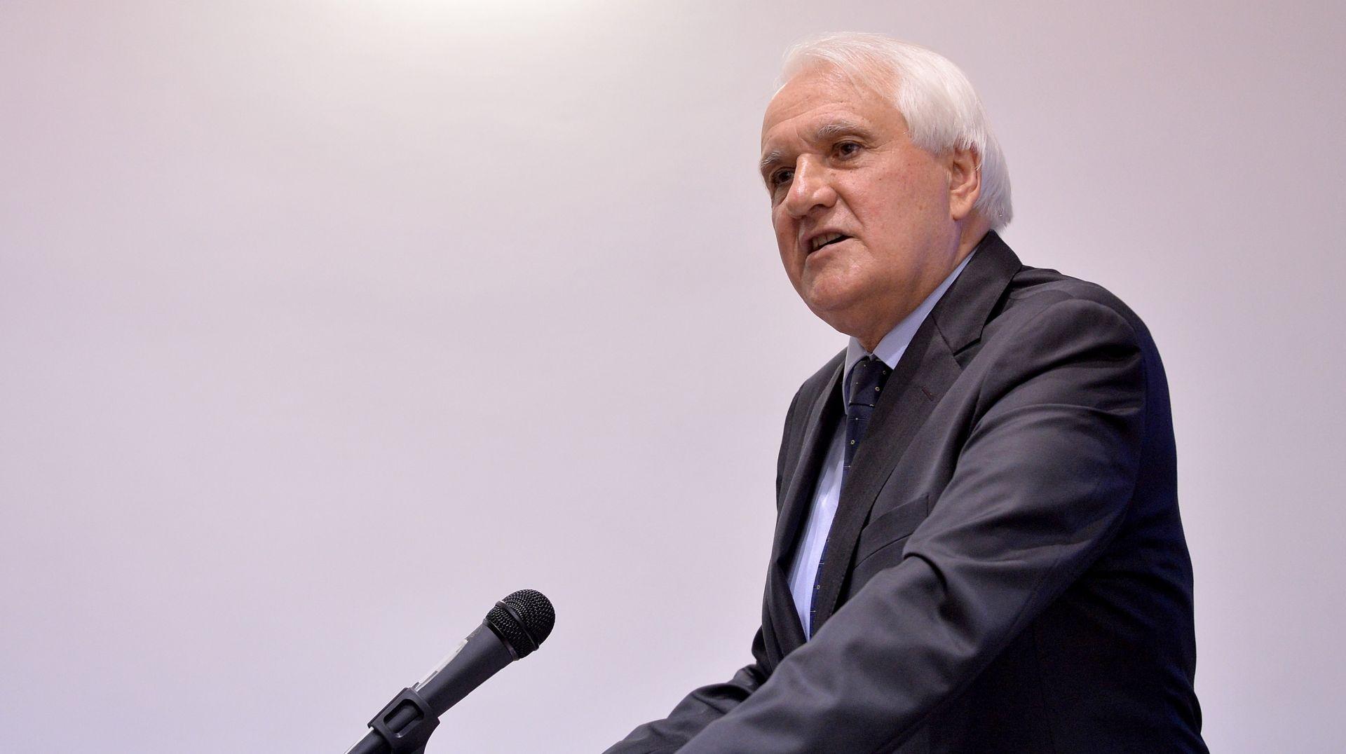 Studentski zbor FF-a: Dekan Previšić nije dopustio da se glasuje o njegovu razrješenju