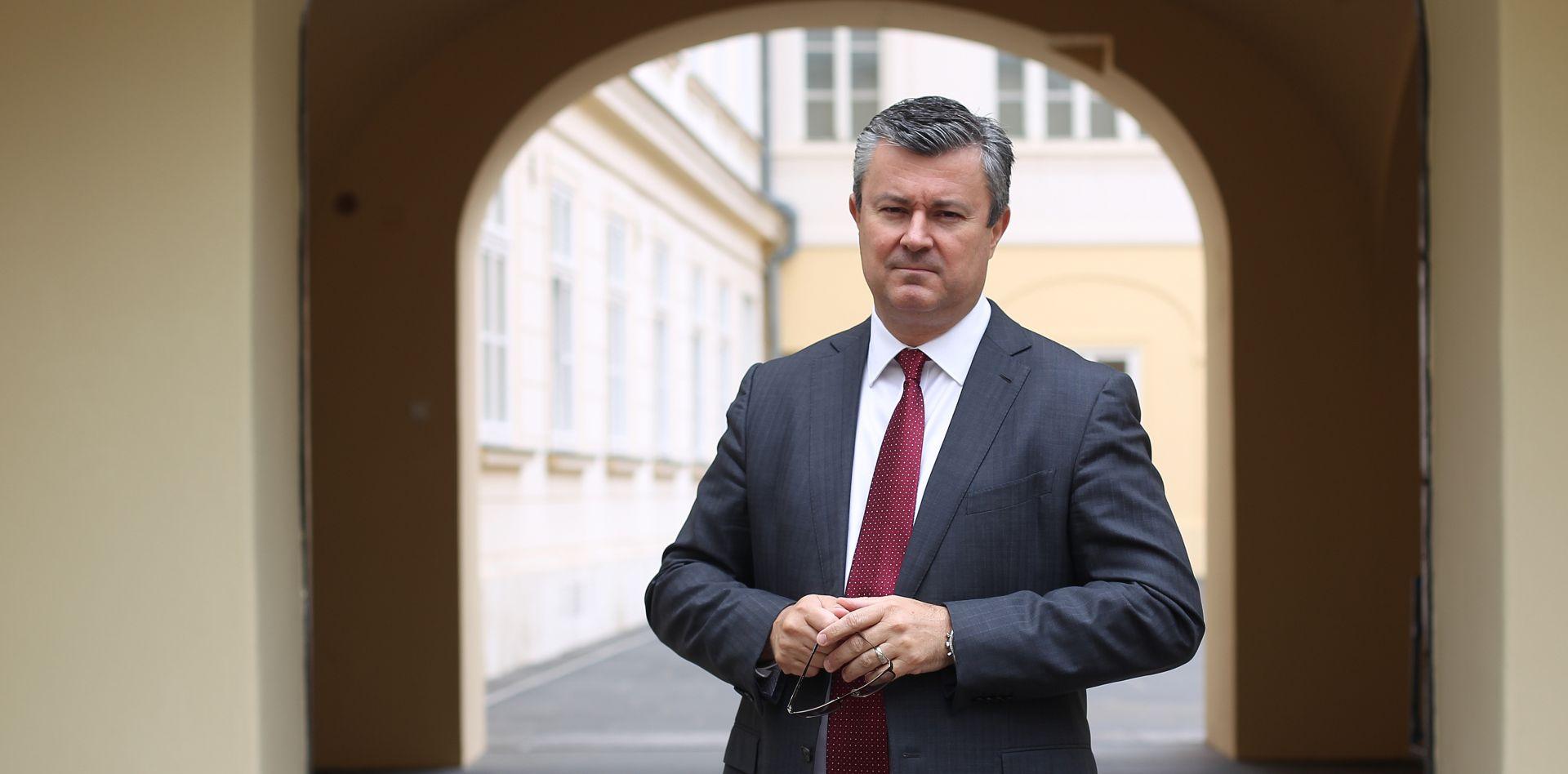 Orešković poručio svom nasljedniku da bude hrabar
