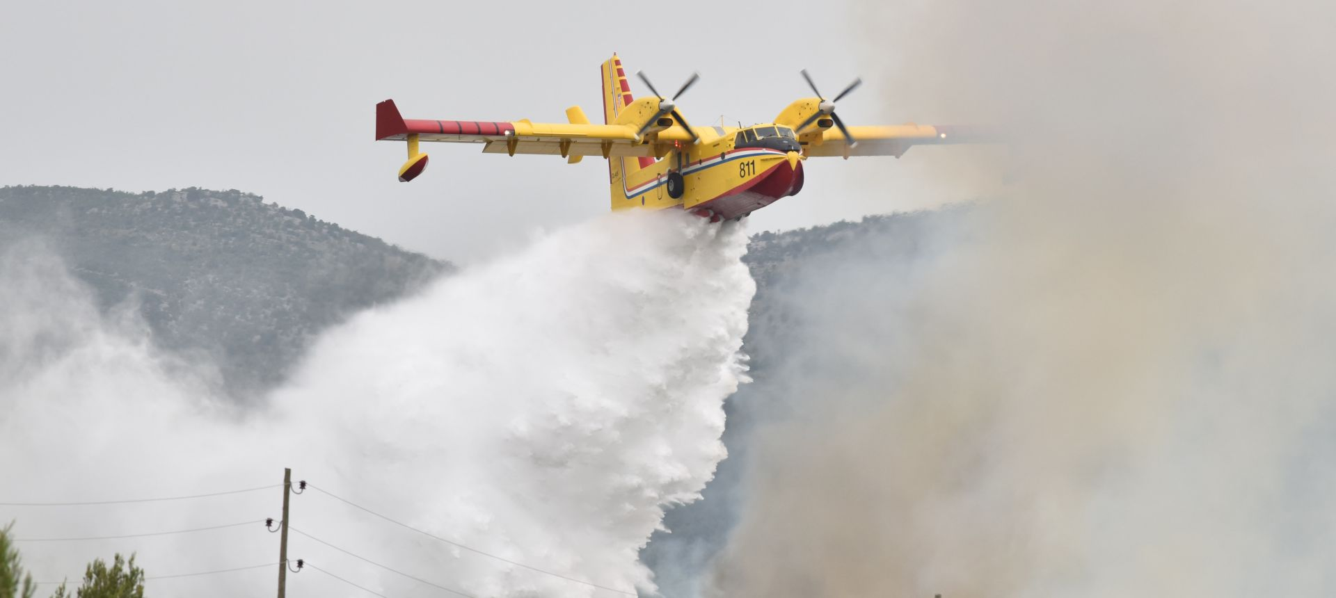 Zračne snage HRZ-a i PZO-a ugasile požare kod Vodica i na Dugom otoku